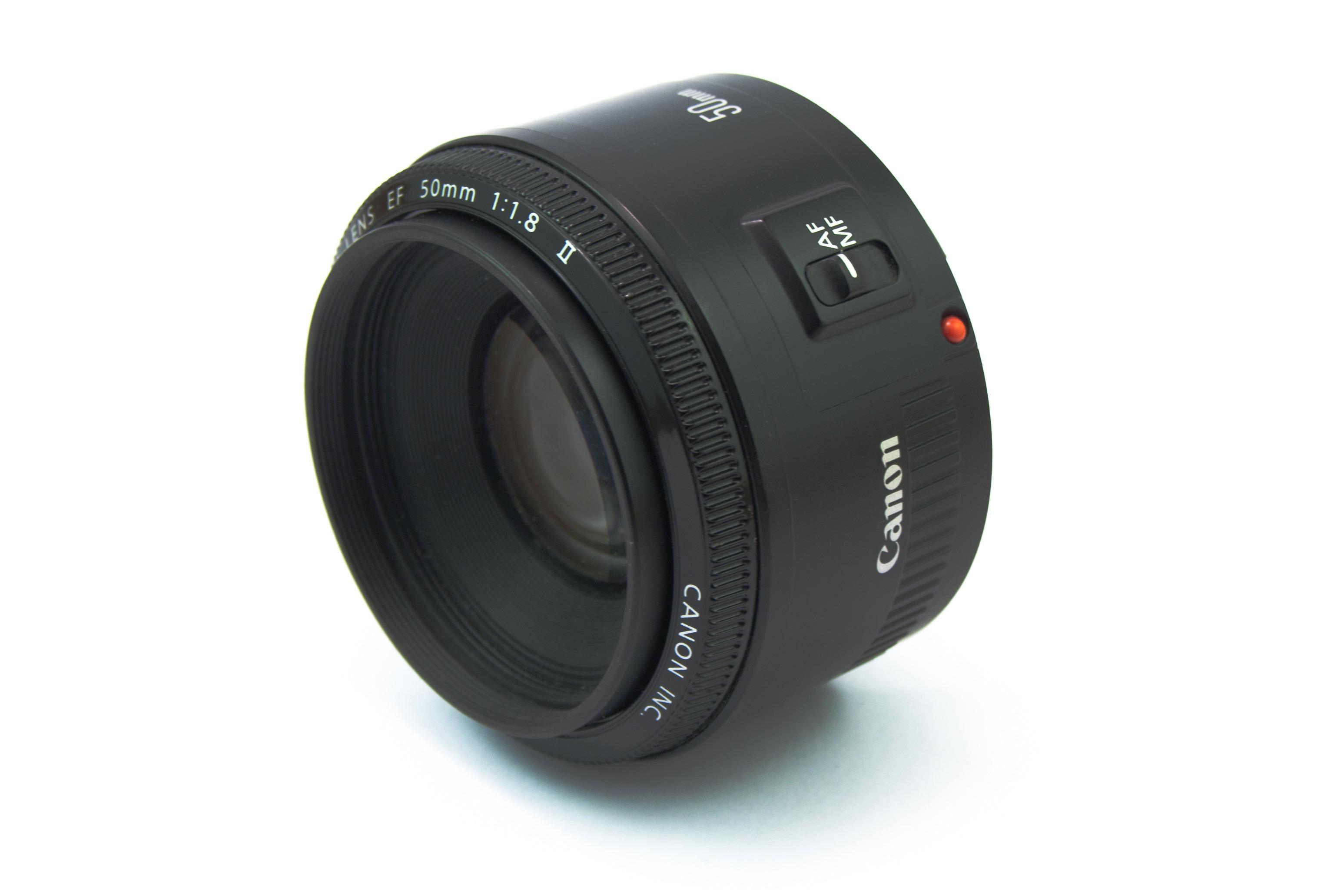 Thrifty Fifty: Canon EF 50mm f/1.8 II. Foto: Justus Blümer