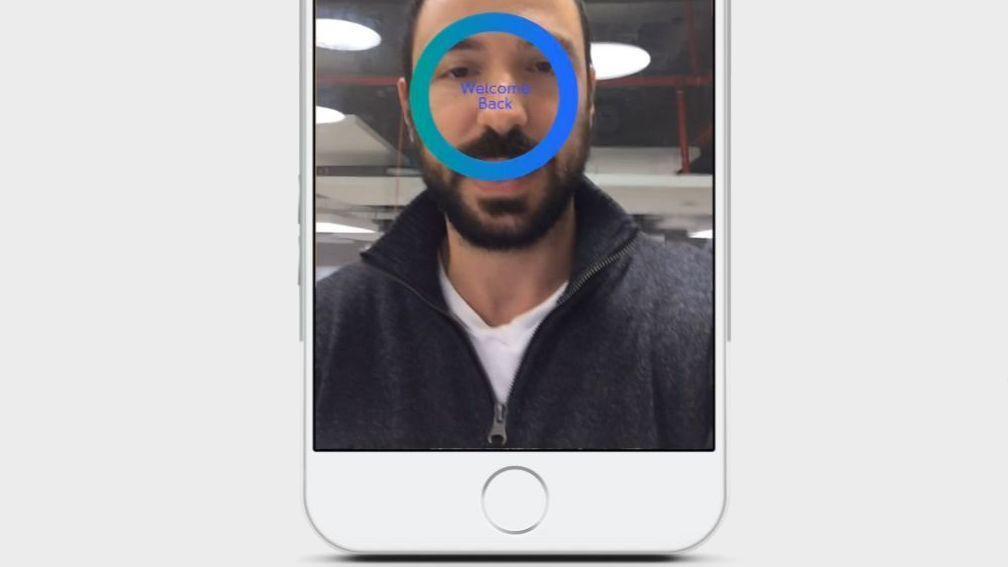 Apple skal ifølge rykter utstyre iPhone 8 med sensor som blant annet er i stand til ansiktsgjenkjenning.