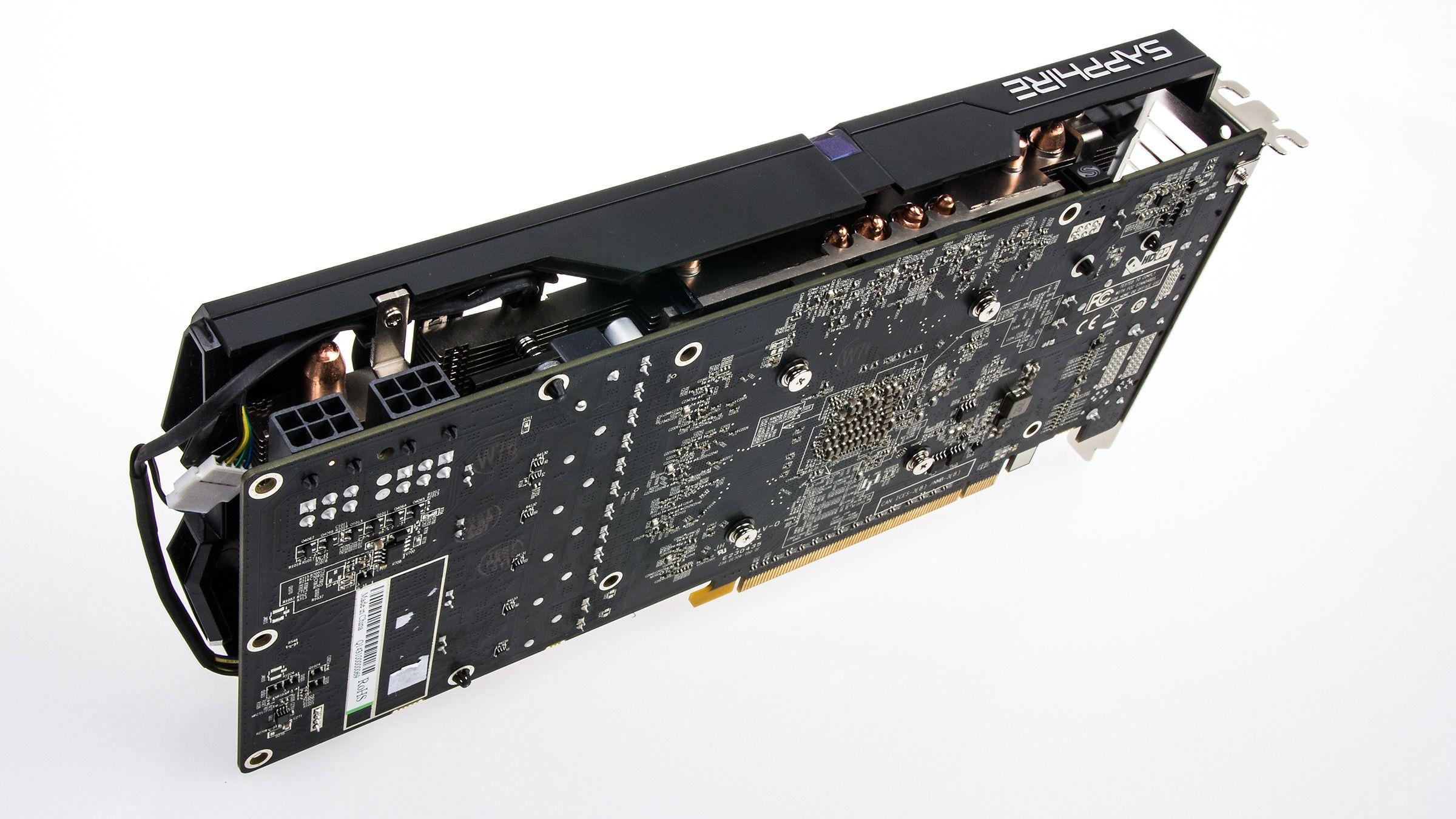 Det nye skjermkortet trenger to 6-pins PCI-E-strømkontakter for å fungere.Foto: Varg Aamo, Tek.no
