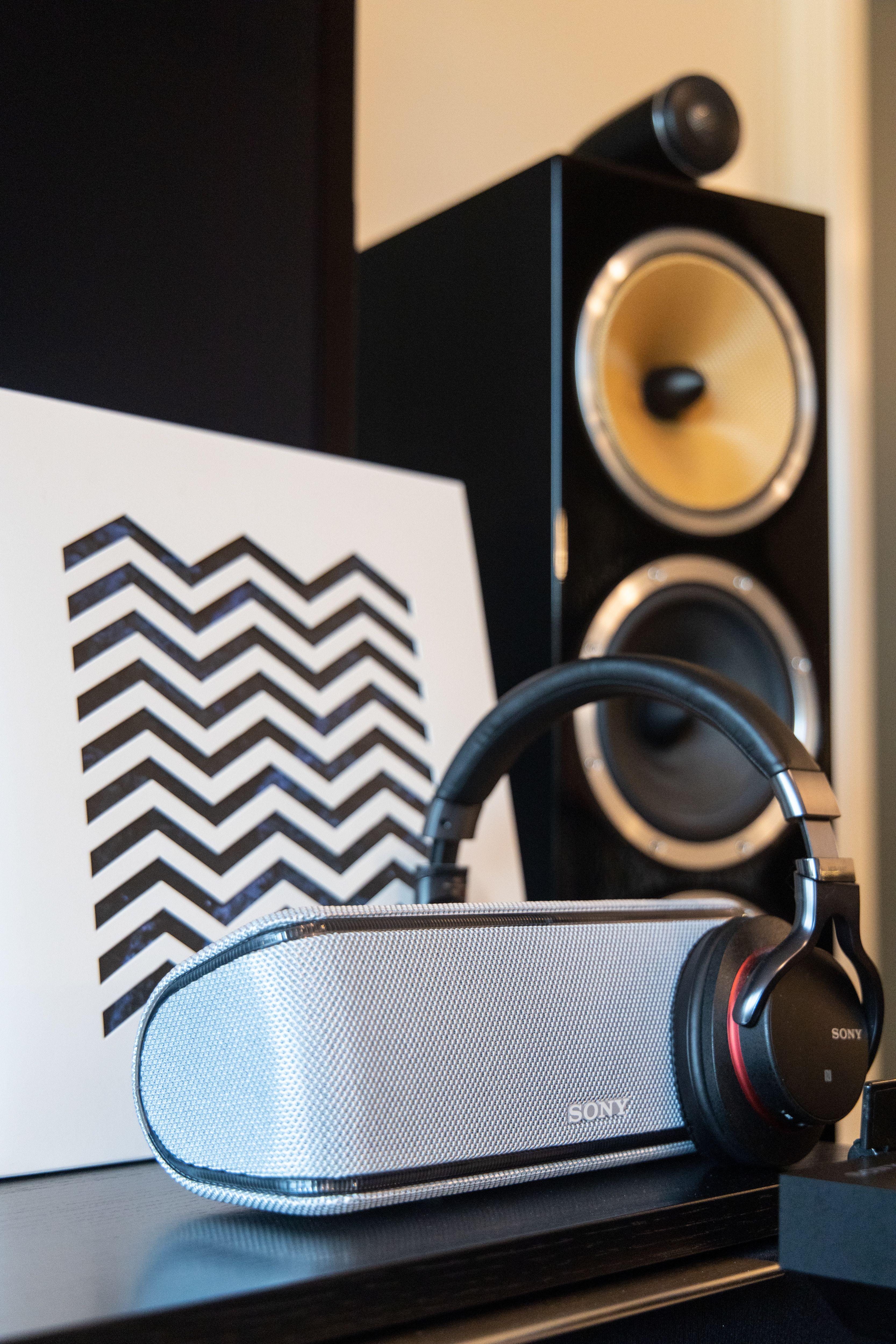 Sonys platespiller med blåtann er allsidig med mulighet for strømming til hodetelefoner og småhøyttalere, eller tilkobling med kabel til forsterker.