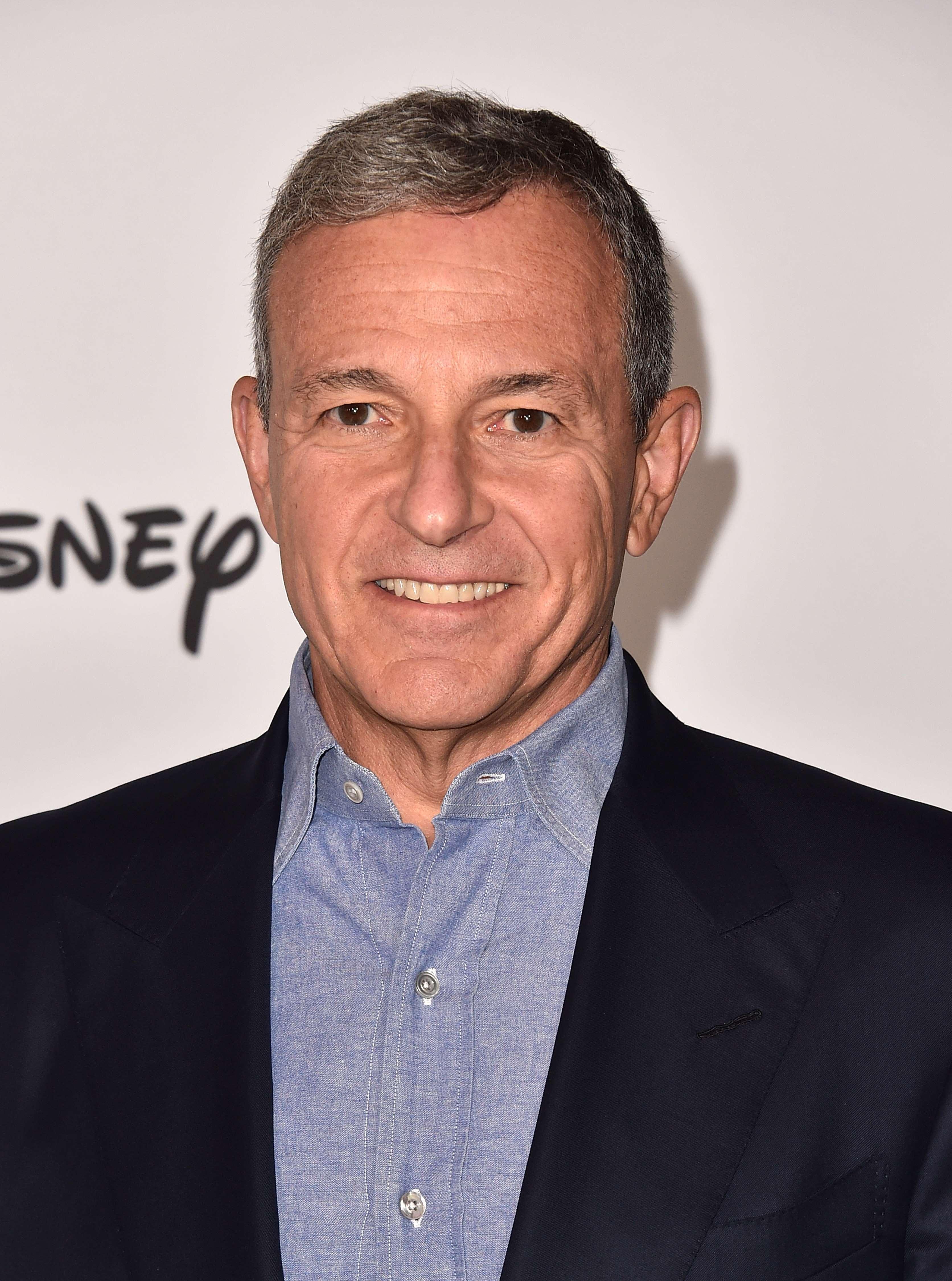 Disney-sjefen Bob Iger sier de bevisst priser seg lavt for å nå ut til så mange som mulig.