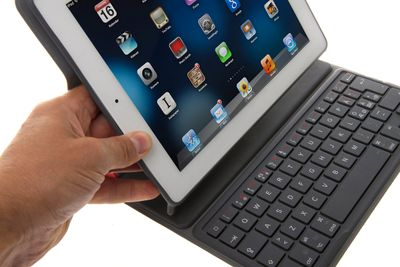 Belkin Ultimate Keyboard Case for iPad Air Mobil