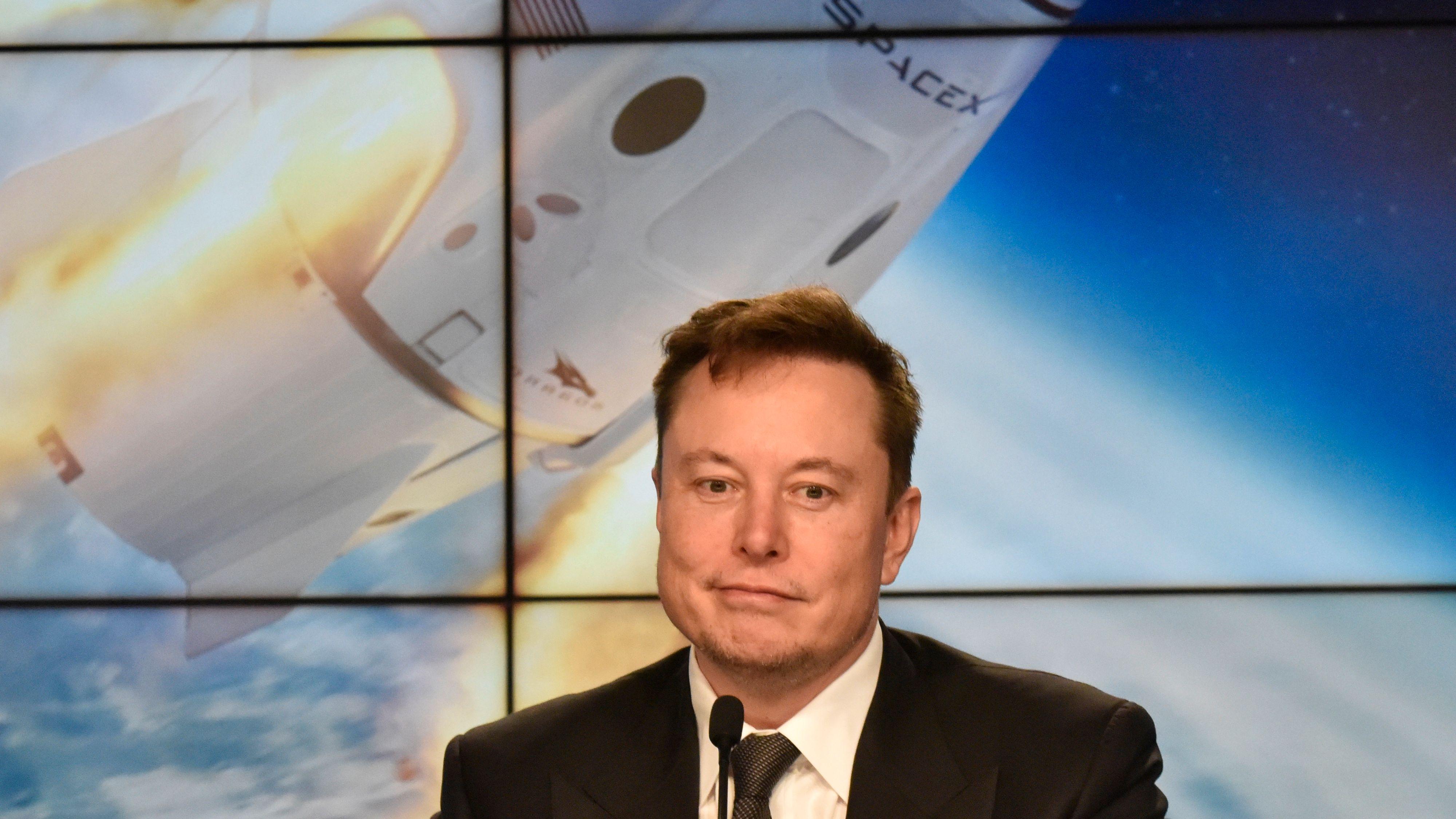 Elon Musk: Slett Facebook, det er kjedelig