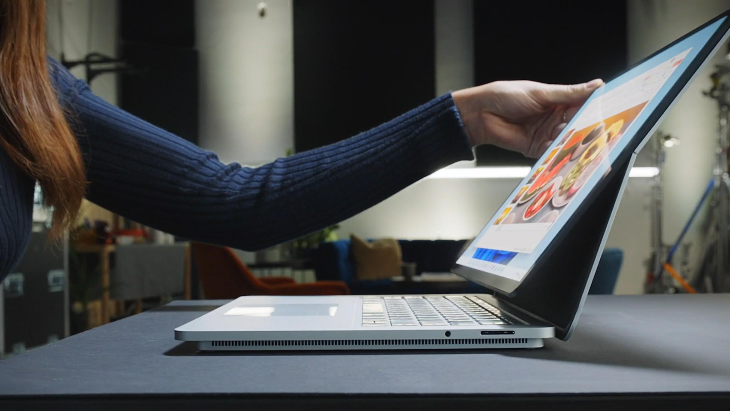 Questo è il nuovo Surface Laptop Studio, il successore della serie Surface Book.