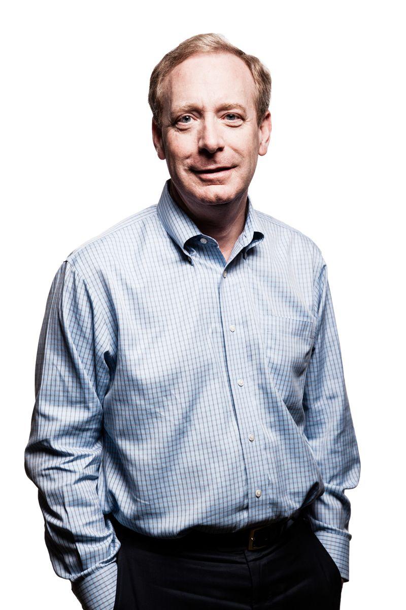 Microsofts Brad Smith likestiller myndighetenes snoking med cyberangrep. Han legger ikke skjul på at Microsoft har lite til overs for slikt.Foto: Microsoft