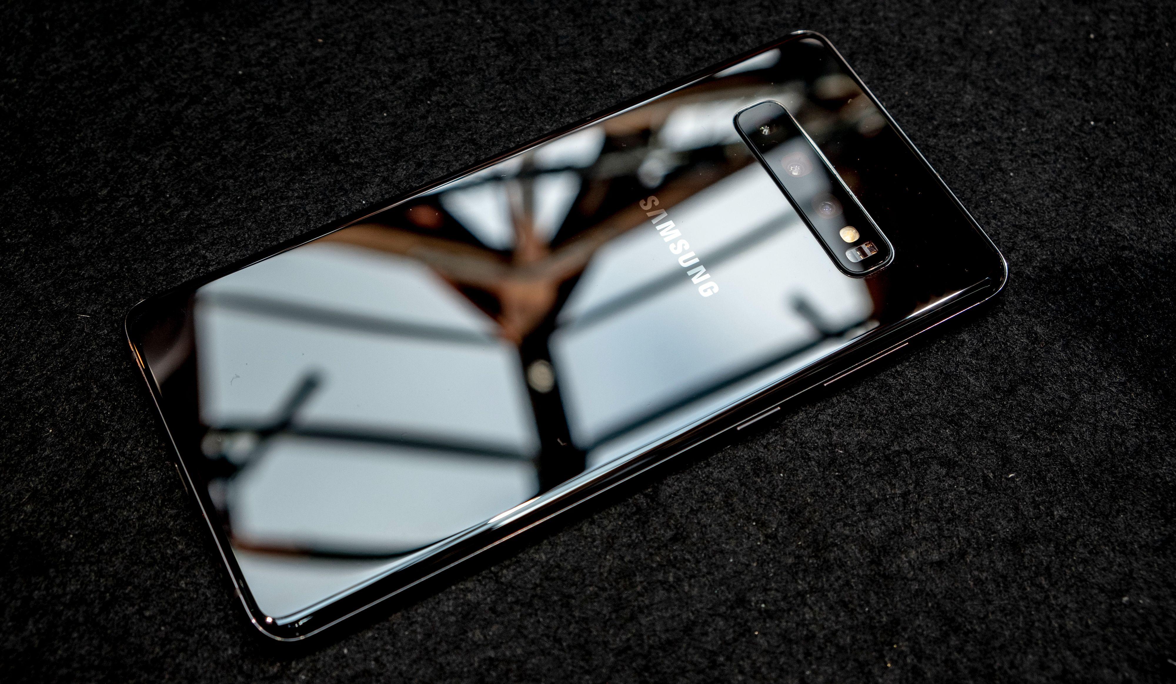 Den keramisk svarte utgaven av Galaxy S10+ er en av de lekreste telefonene vi har sett så langt.