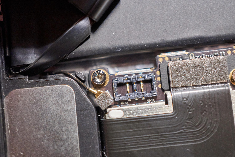 Batterikontakt, iPhone SE.