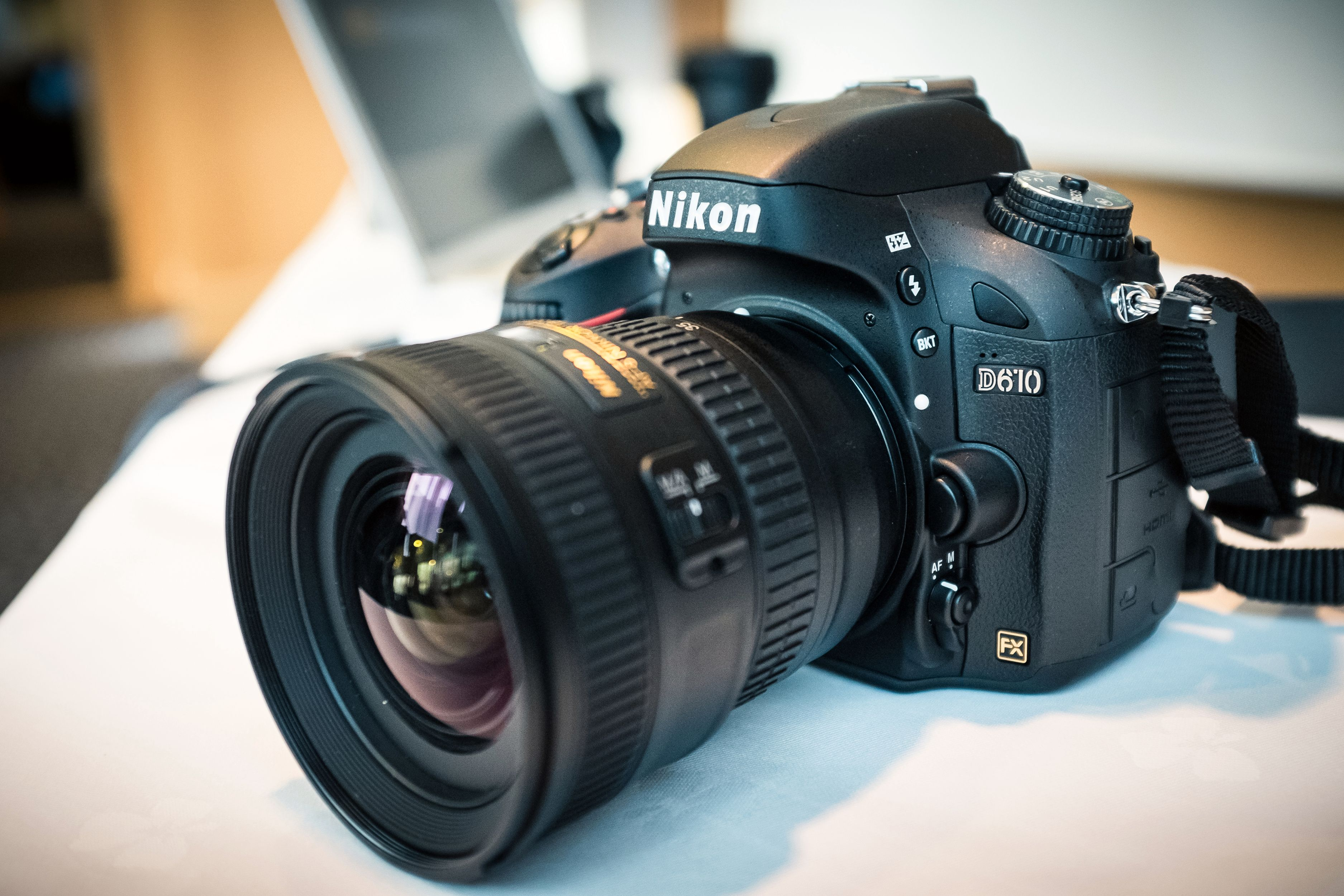 Nikon viste fram sin nye D610.  Foto: Johannes Granseth