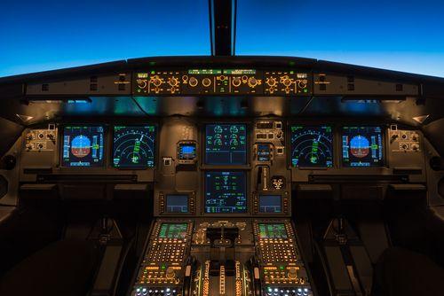 I verste fall kan hackere visstnok kunne bryte seg inn på elektroniske systemene i fly. Foto: Mikko Ryynanen/Shutterstock.com