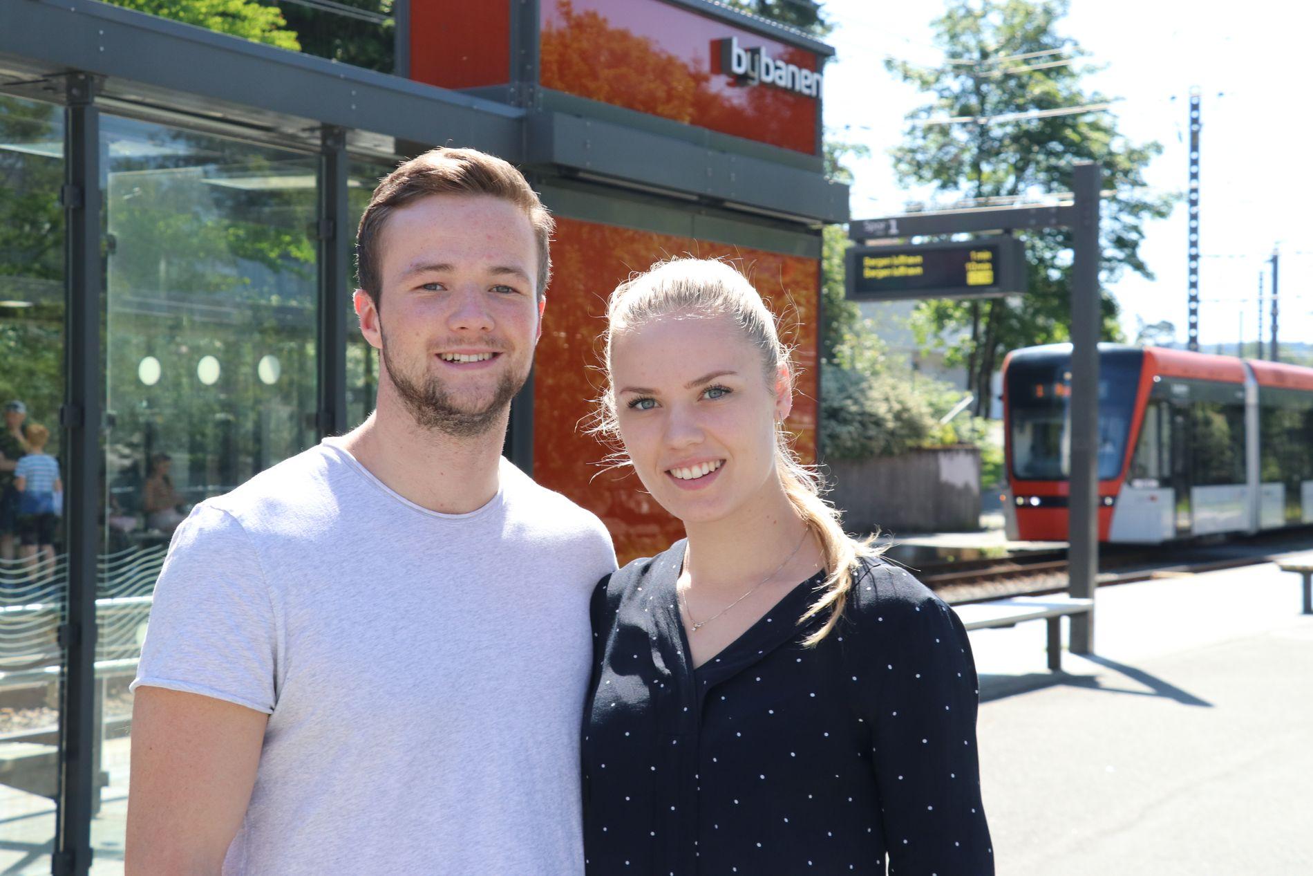 GLEDER SEG: Tor Øksenberg Hellebø og Sunniva Risti Bergaas gleder seg til å flytte inn i en ny leilighet på Paradis.