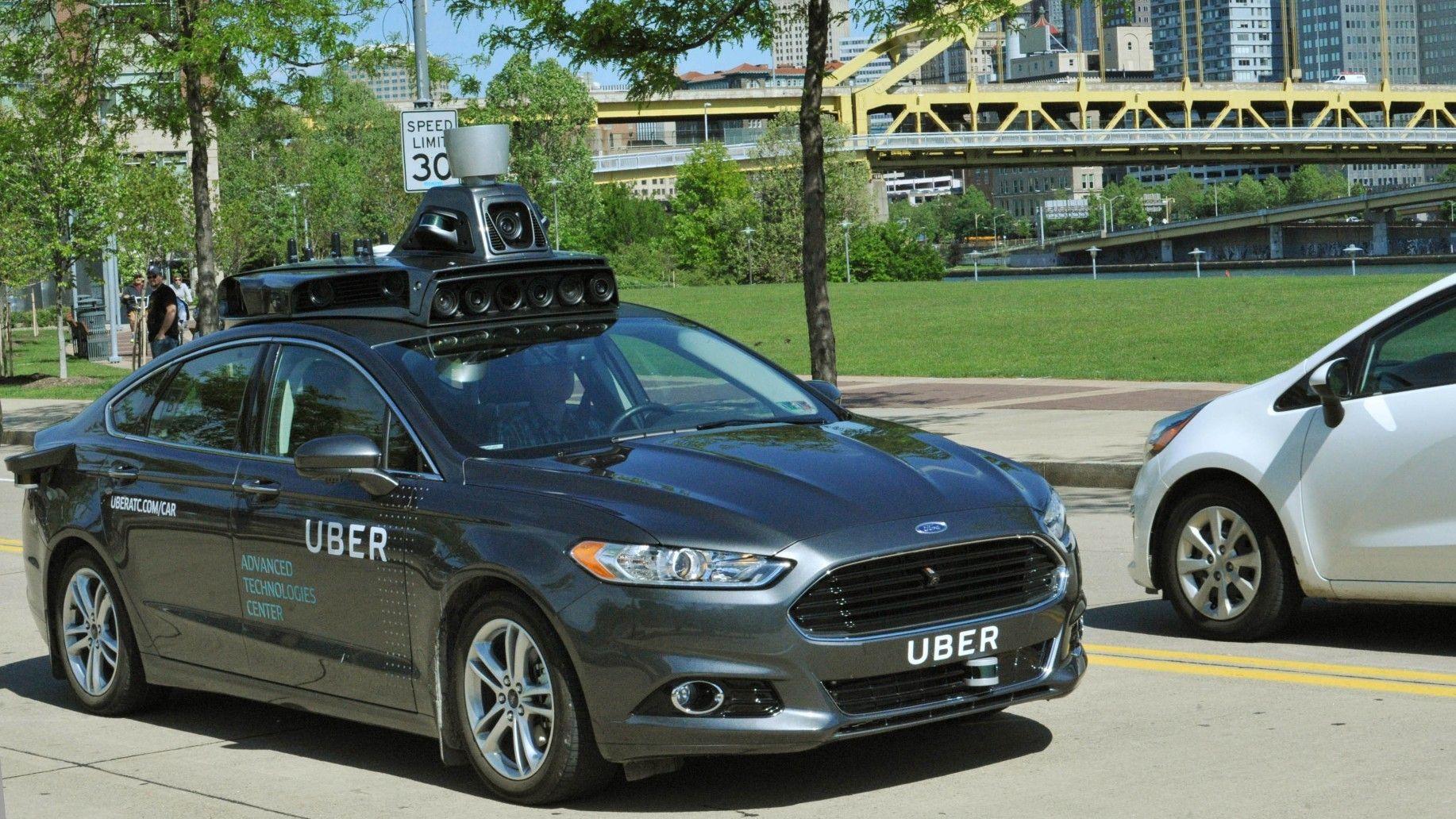 Uber har et stort prosjekt med selvkjørende biler, som her fra Pittsburgh.