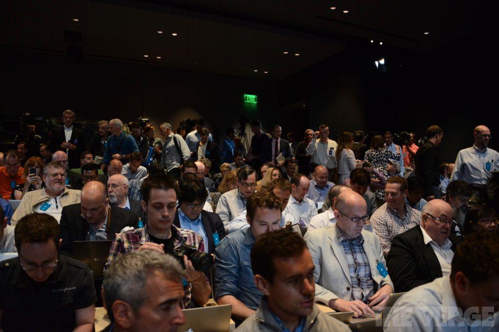 Dette bildet er fra Apples hovedlansering i USA. Foto: The Verge