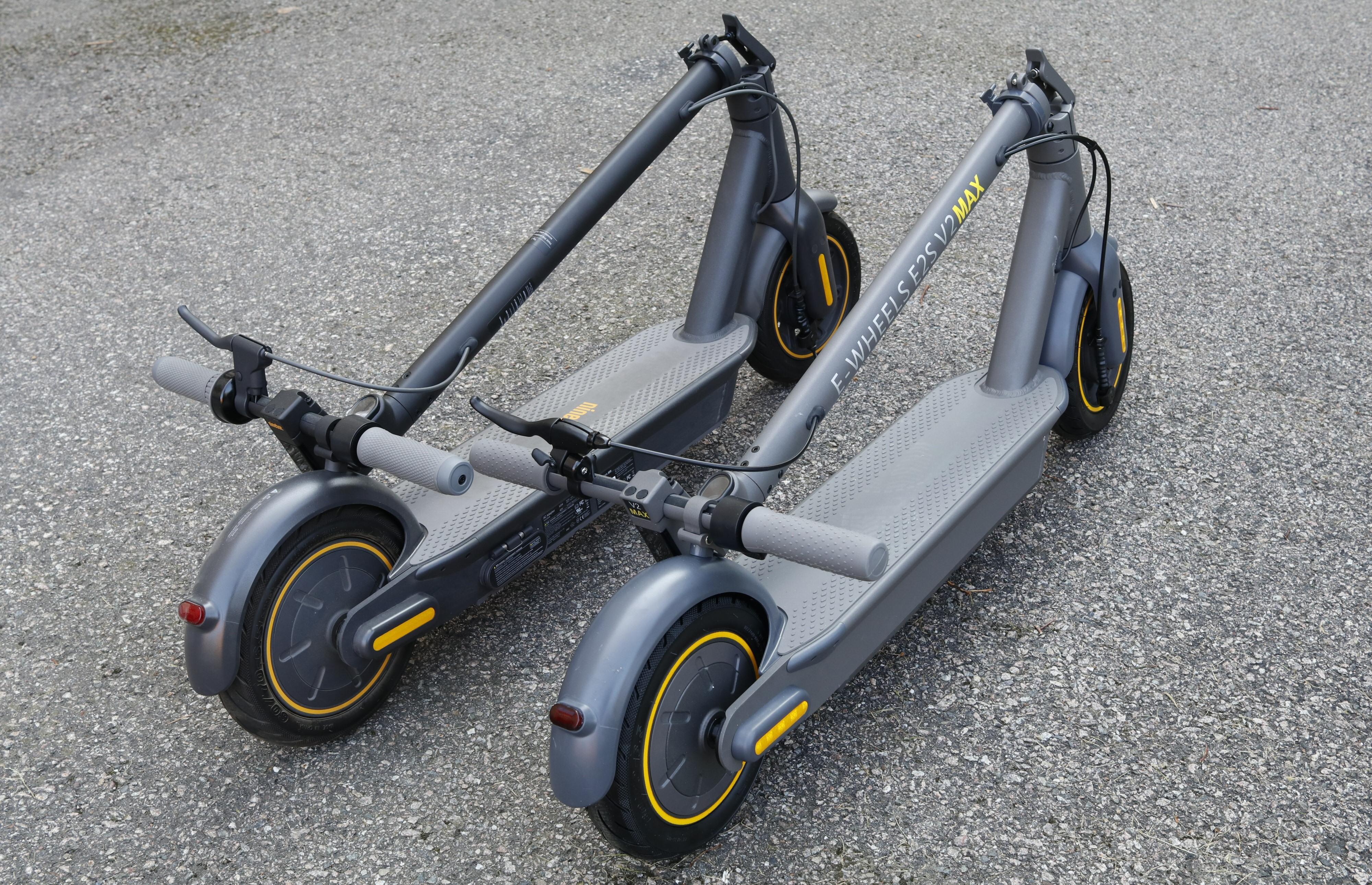 Ganske så like: Ninebot KickScooter Max G30 og E-wheels E2S V2 Max. Men kun Nineboten har innebygd batterilader.