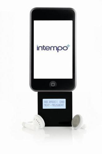 Eiere av Creative Zen-spillere vil muligens le godt og lenge av klumpen i bunnen av iPod-en. iDAB kommer for øvrig i iPod-matchende farger.