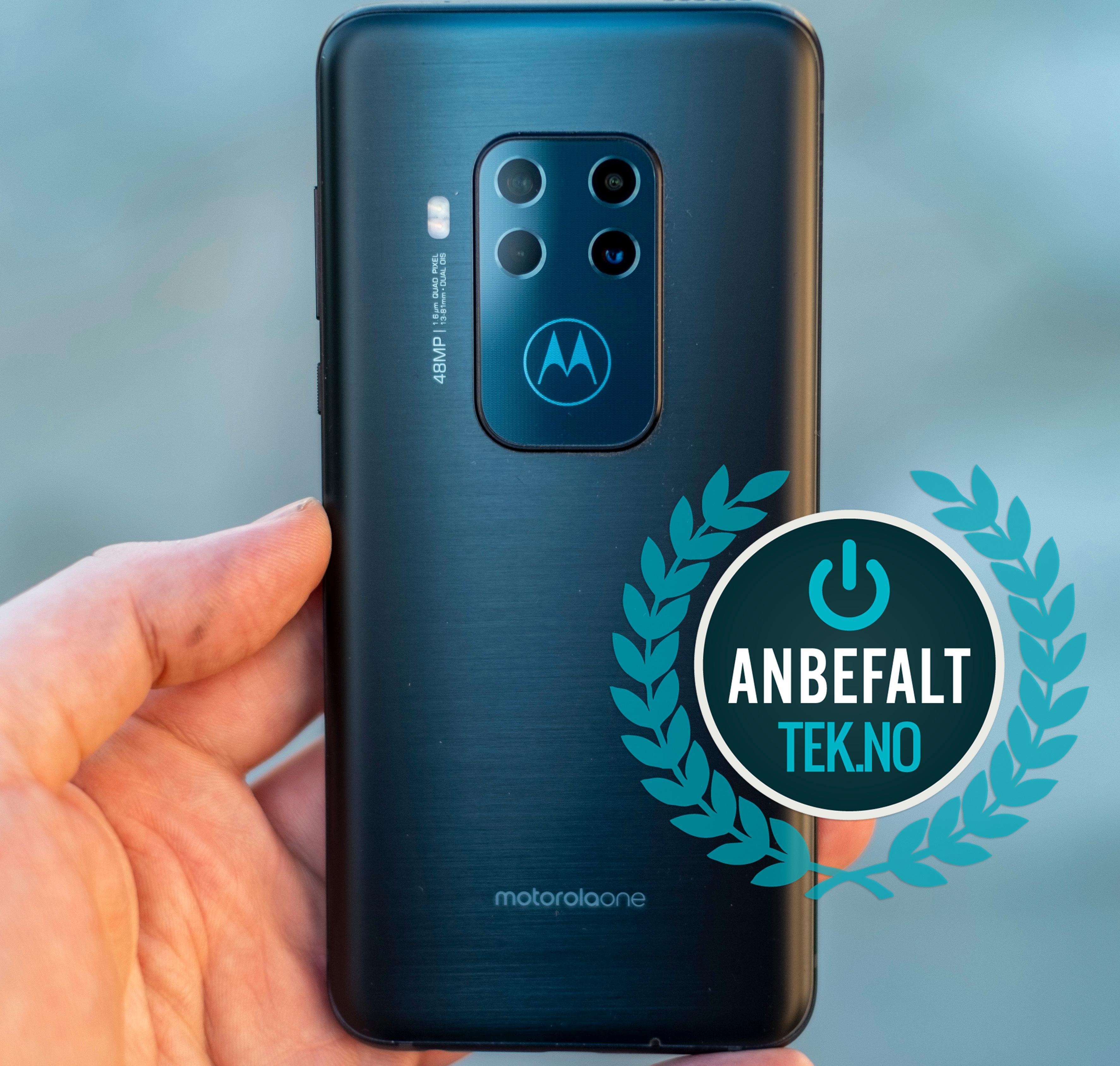 Motorola har blitt ekstremt flinke til å lage gode mellomklassemobiler. Når de samler alle sine funksjoner og spytter i litt ekstra med One Zoom blir resultatet nesten automatisk veldig bra. Bare bitte litt finpuss står igjen.