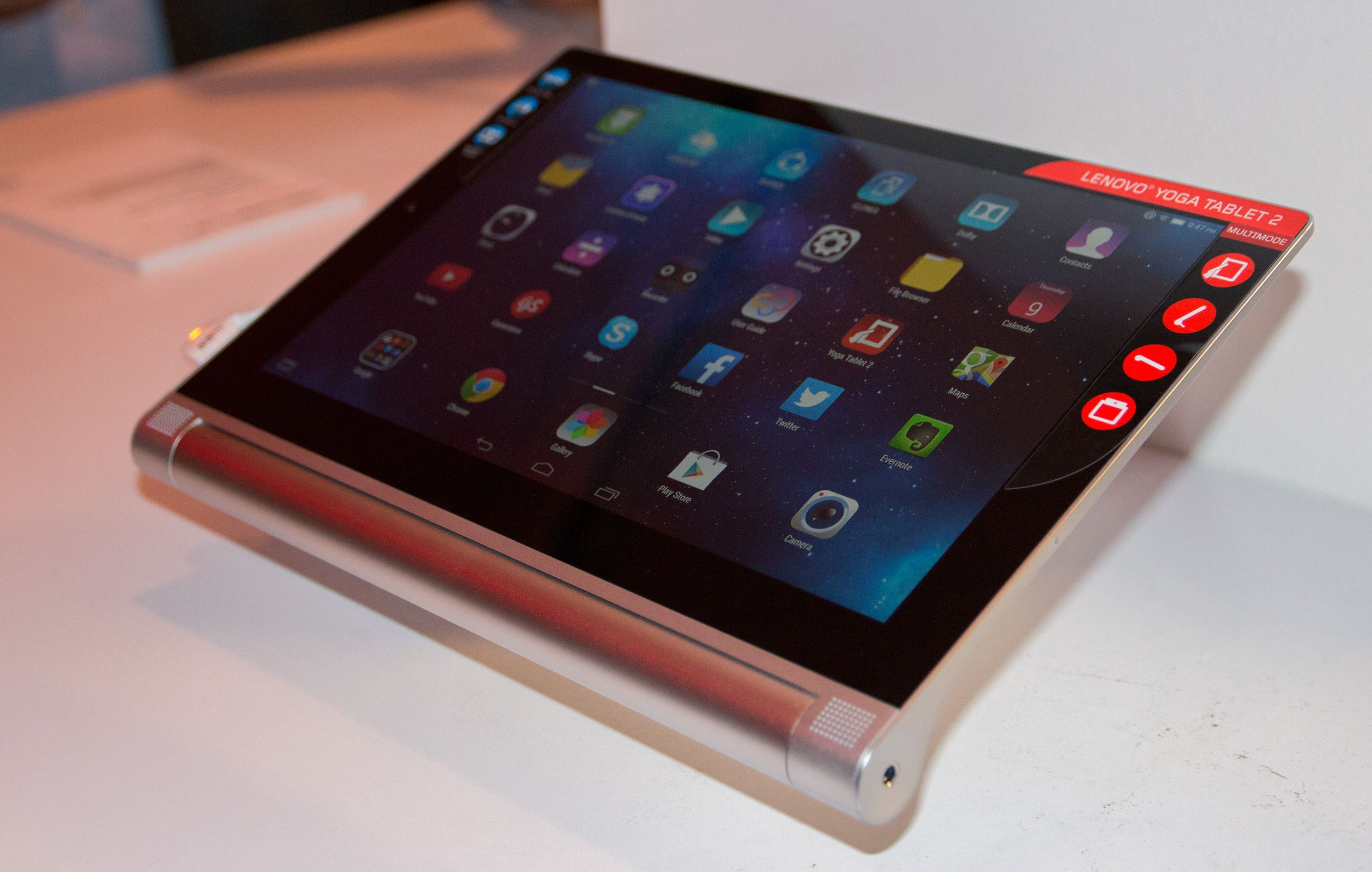 Lenovo Yoga Tablet 2 Foto: Anders Brattensborg Smedsrud, Tek.no