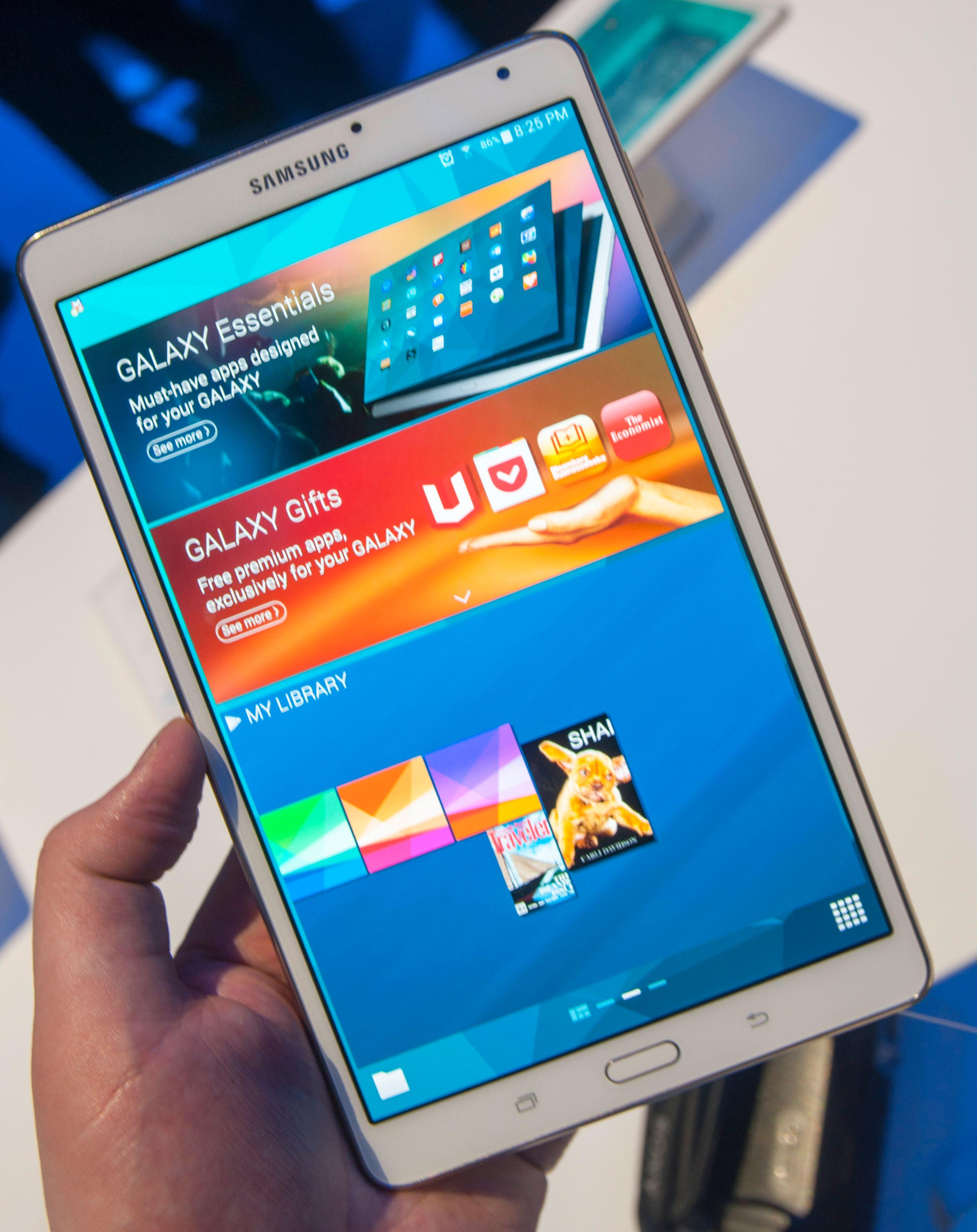 Lillebror Galaxy Tab S er akkurat like kraftig og høyoppløst som den store.Foto: Finn Jarle Kvalheim, Amobil.no