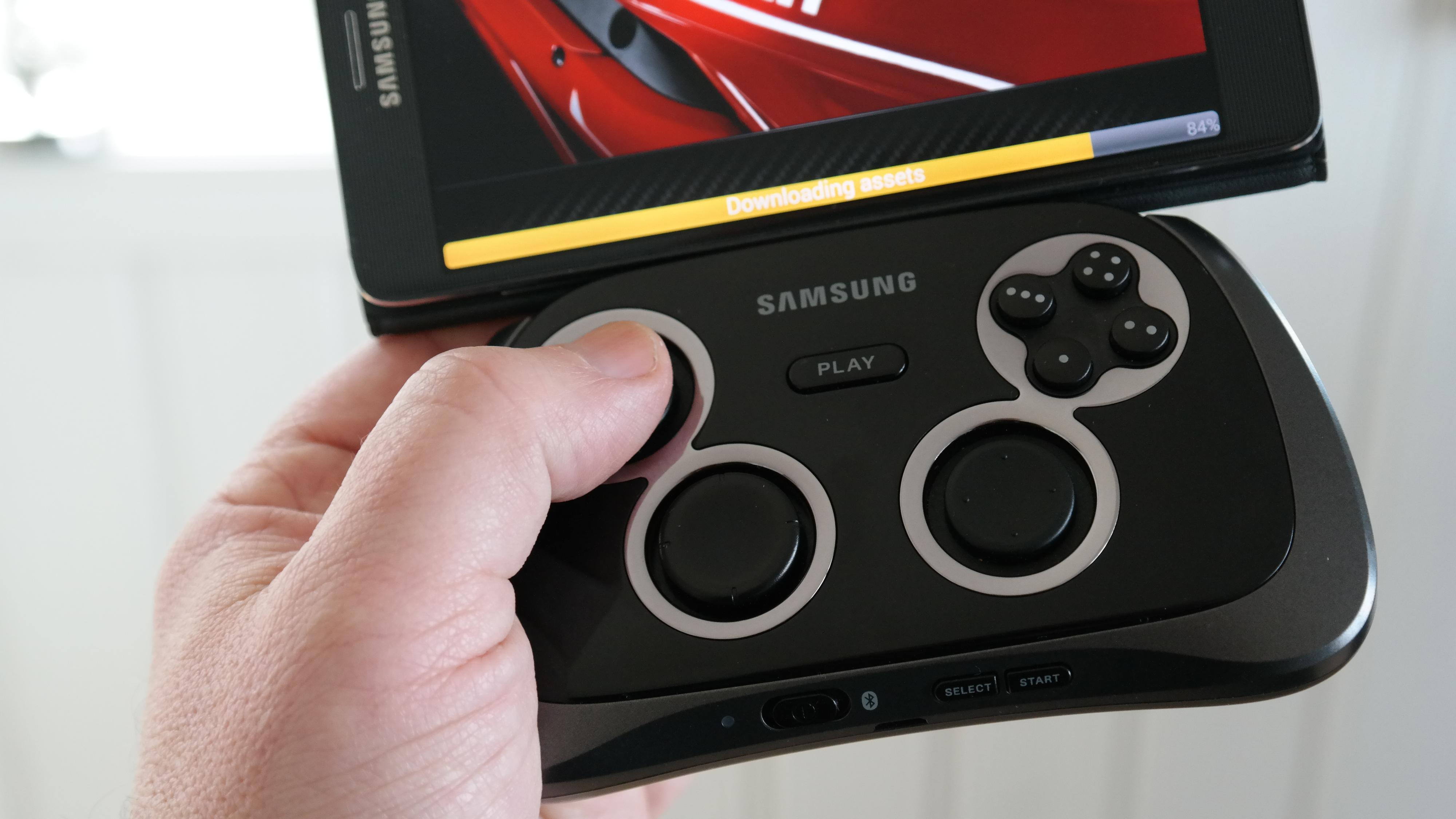 Game Pad gir full kontroll når du spiller på mobilen. Foto: Espen Irwing Swang, Tek.no