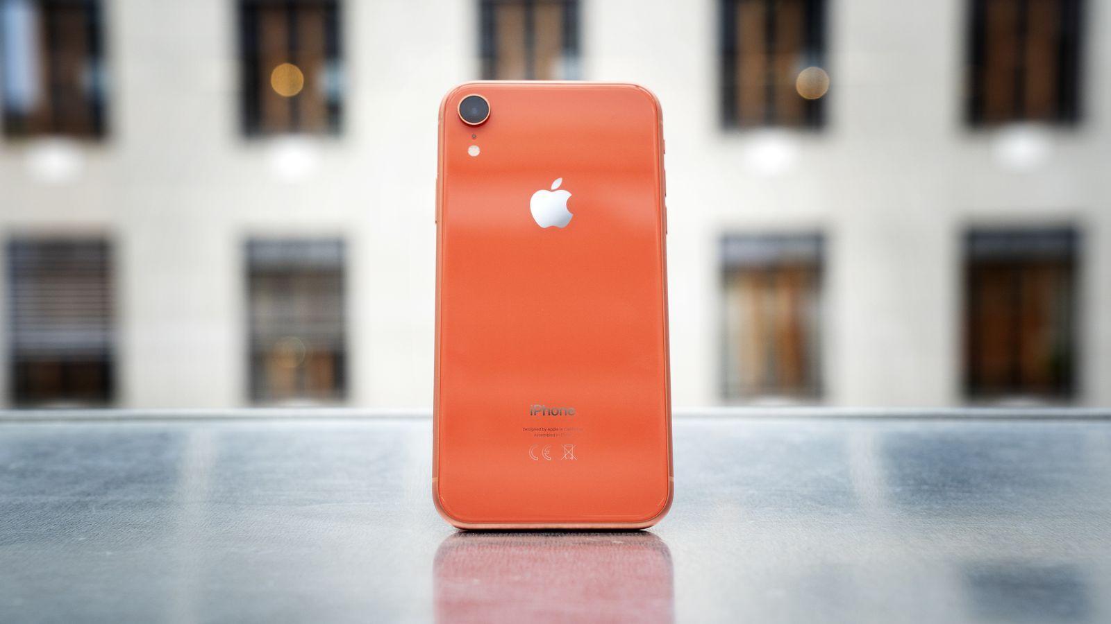 Fjorårets iPhone selger bedre enn årets modeller