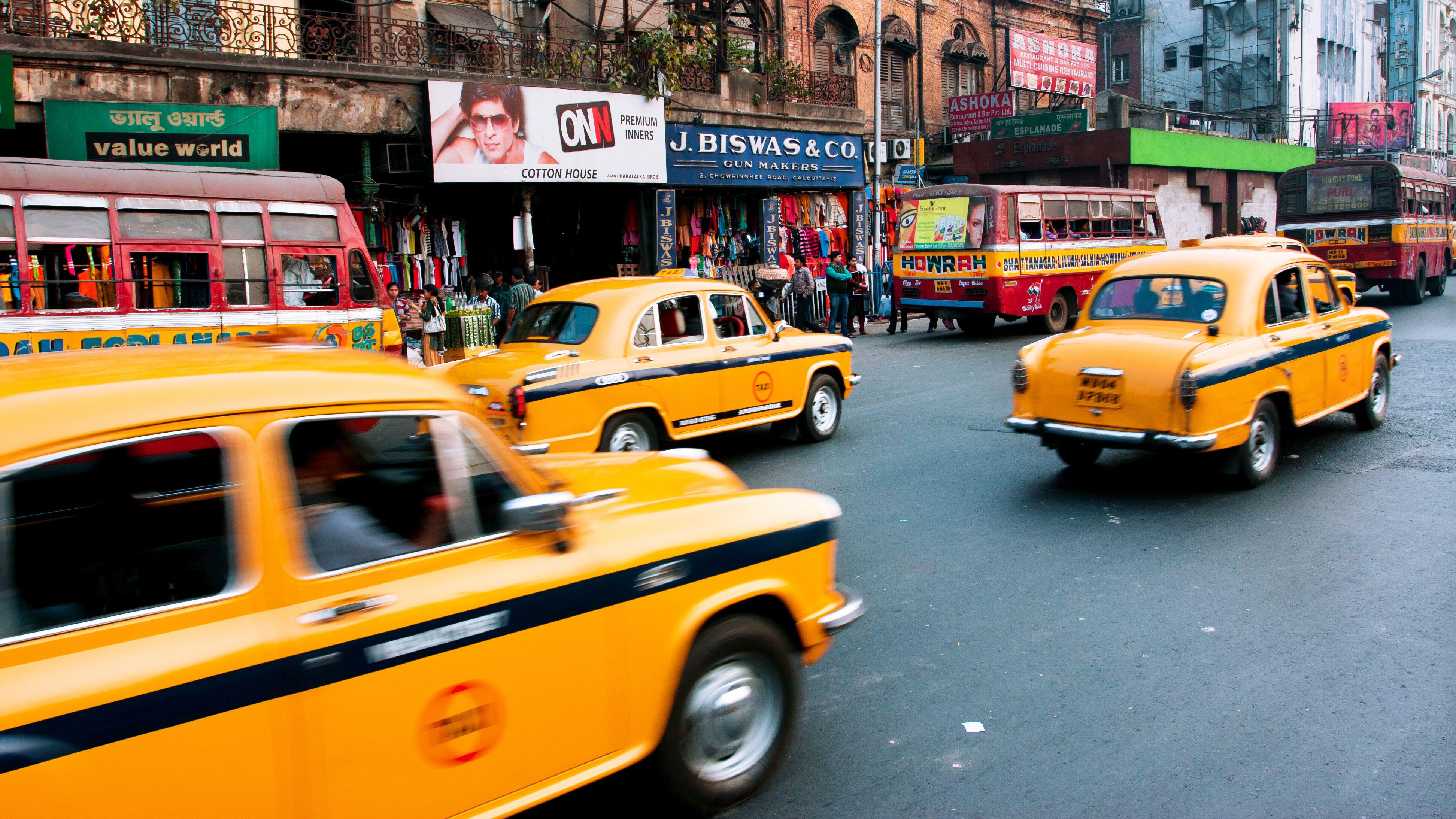 Slår hardt ned på Internett-baserte taxitjenester etter at Uber-sjåfør voldtok kvinne