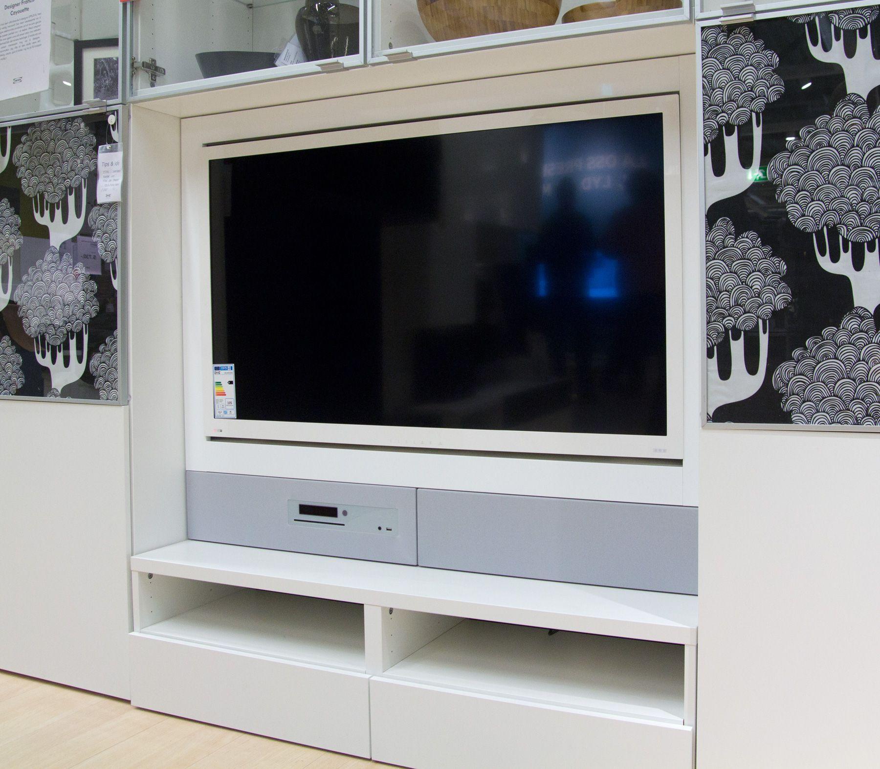 Uppleva, bygget inn i møblet.Foto: Rolf B. Wegner, Hardware.no