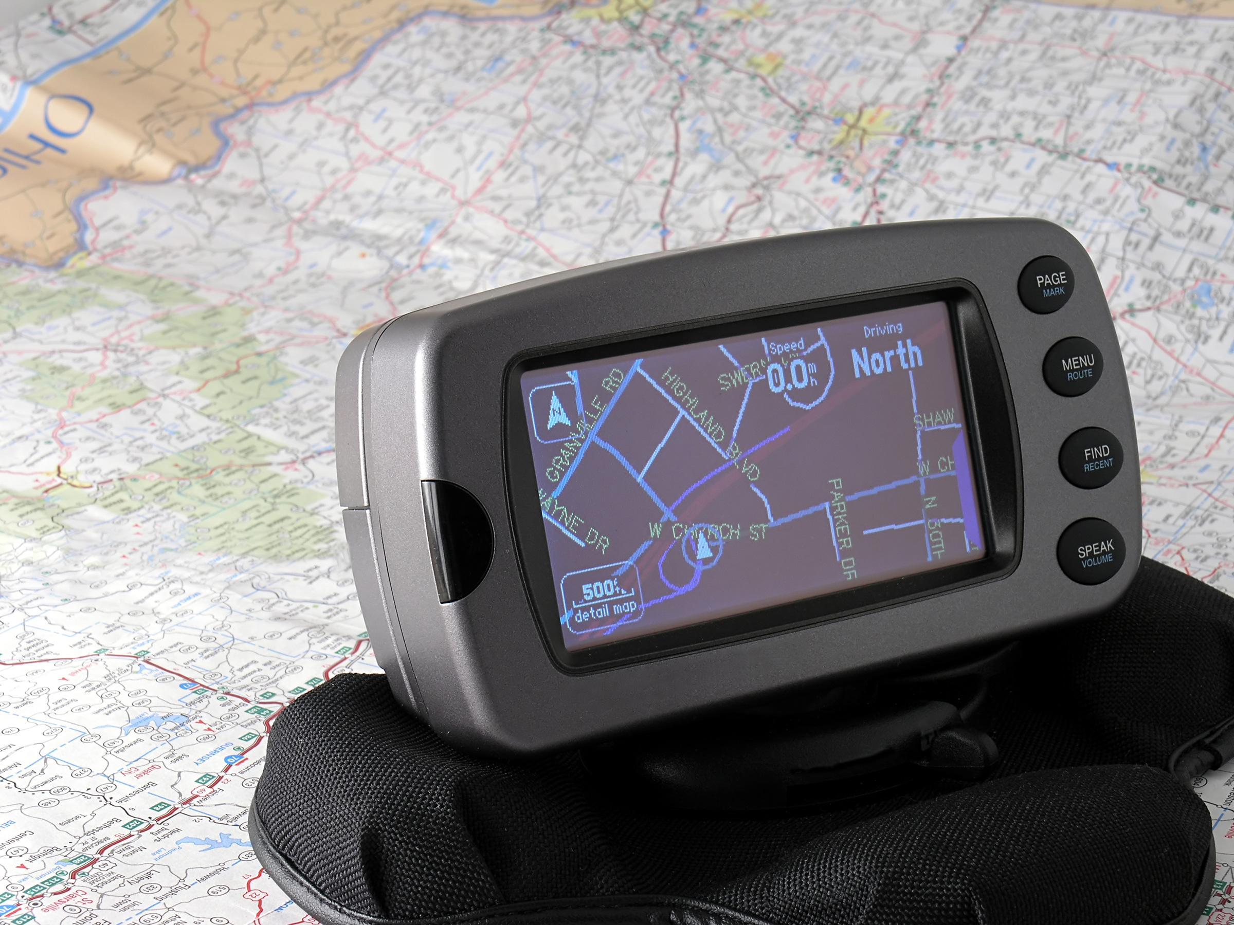Heldigvis har vi fått digitale kart, og slipper å plotte inn koordinatene selv.Foto: Tom Mc Nemar / Shutterstock.com