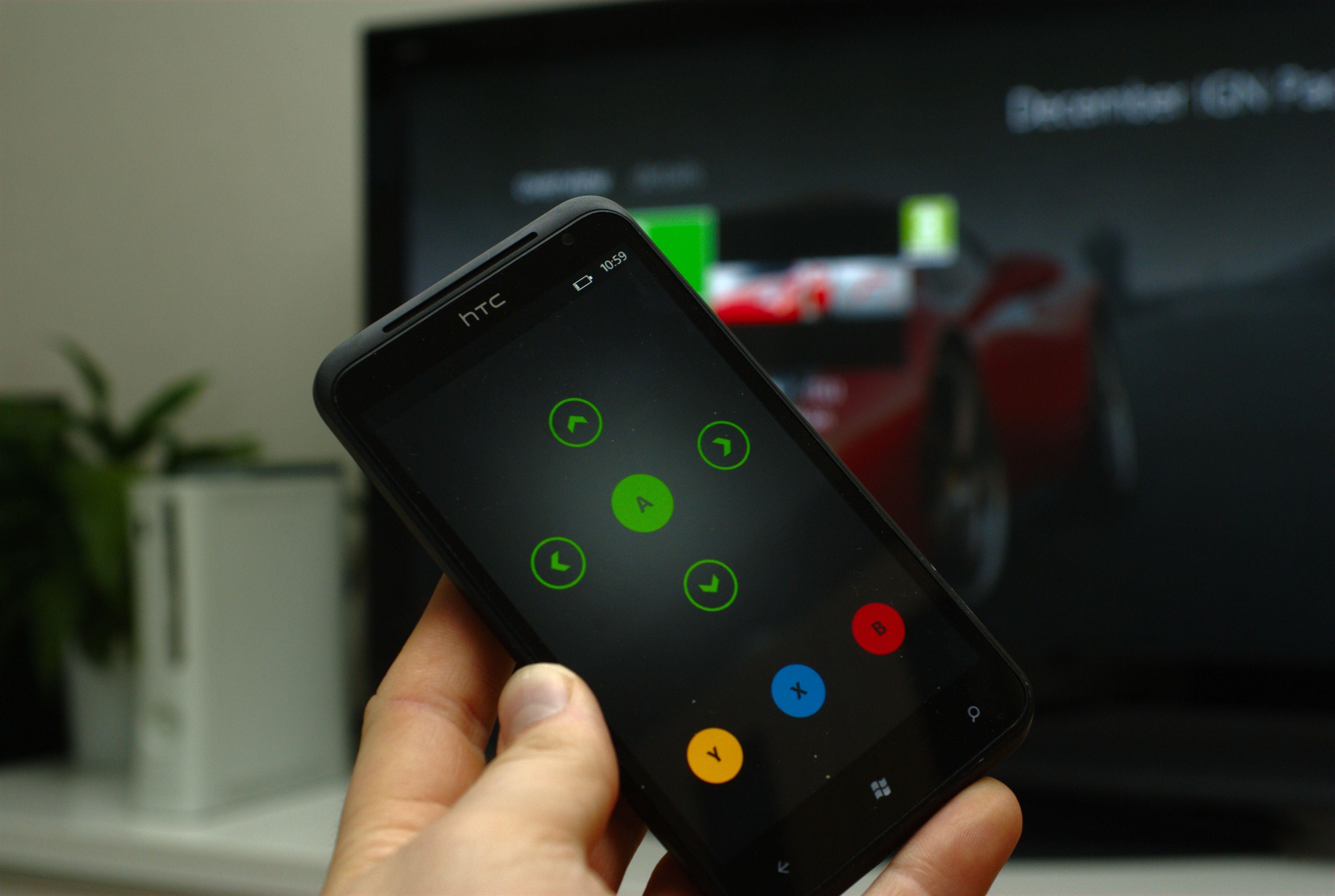 Med disse Xbox-tastene kan du styre det meste. (Foto: Einar Eriksen)