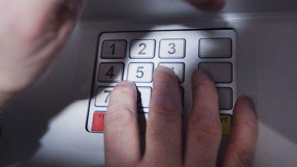 14-åringer tok kontroll over minibank
