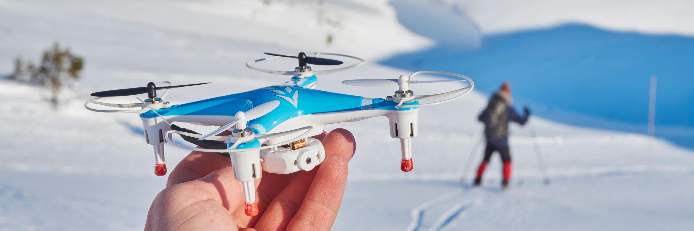 CX-30W-dronene egner seg dårlig til å ta med på skitur – de tåler ikke kulde, og du kan knapt puste på dem før de ikke greier å lette.
