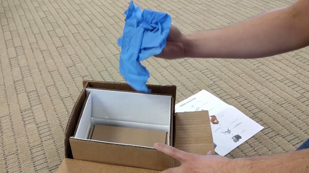 Her er den brannsikre boksen som Samsung sender ut til Note 7-eiere