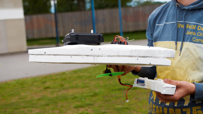 AUDA: En stygg krasj gjorde kort prosess på isoporbiten med batteriet inni.