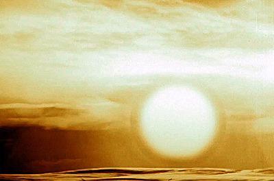 Tsar-bomben. Ildkulen du ser her er omtrent 8 kilometer i diameter. Lysglimtet ble sett i Vardø, 900 km unna. «Fun» fact: Planen var egentilg å lage en dobbelt så stor bombe.