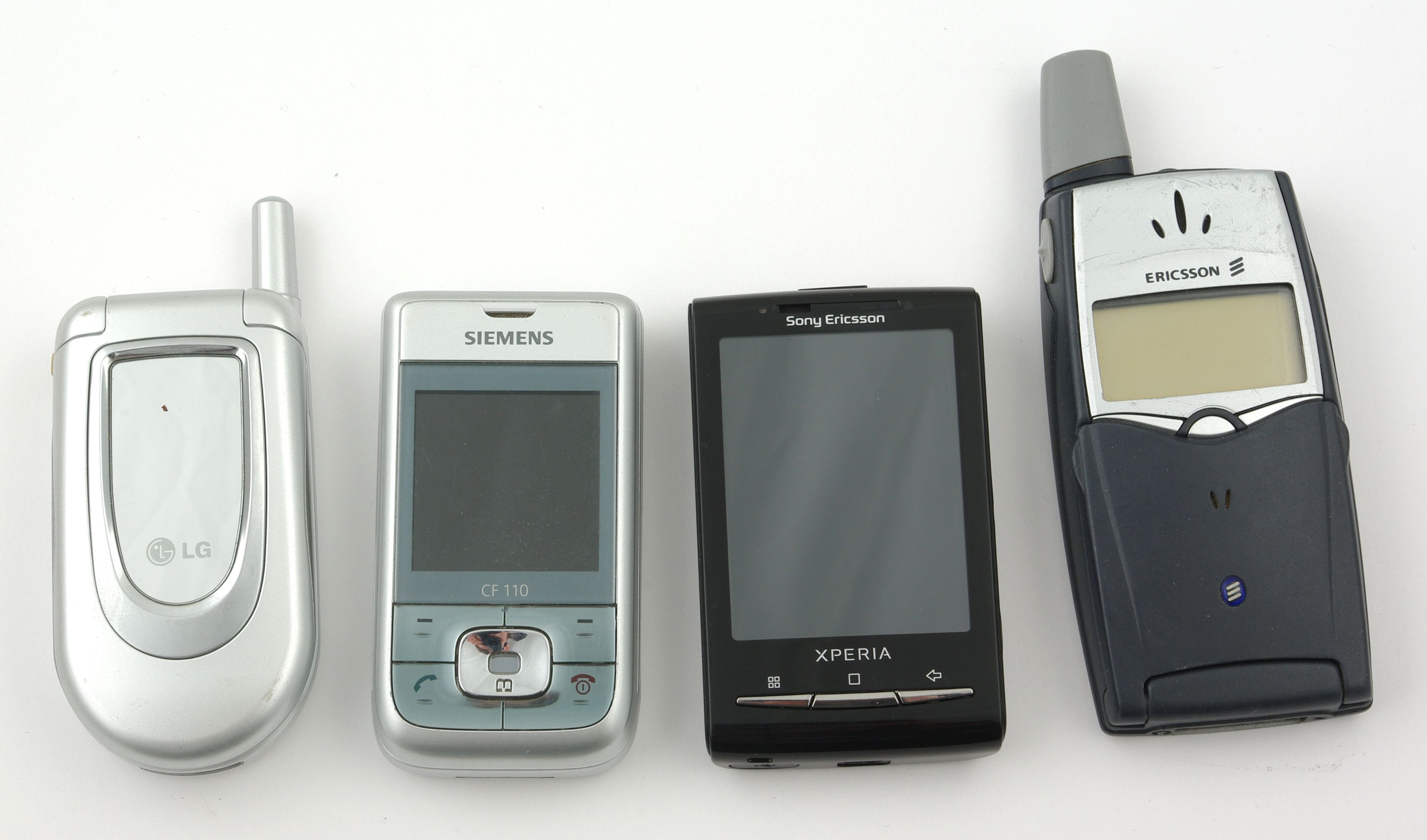 Vi må langt tilbake for å finne forrige gang små telefoner var på høyden.