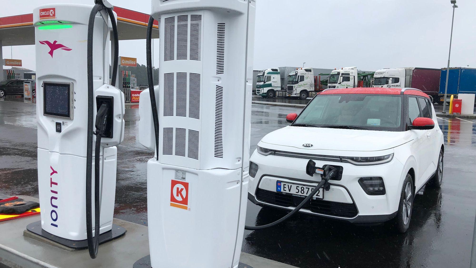 Ionity: Ny prisstruktur gjør det svært dyrt å lade elbilen
