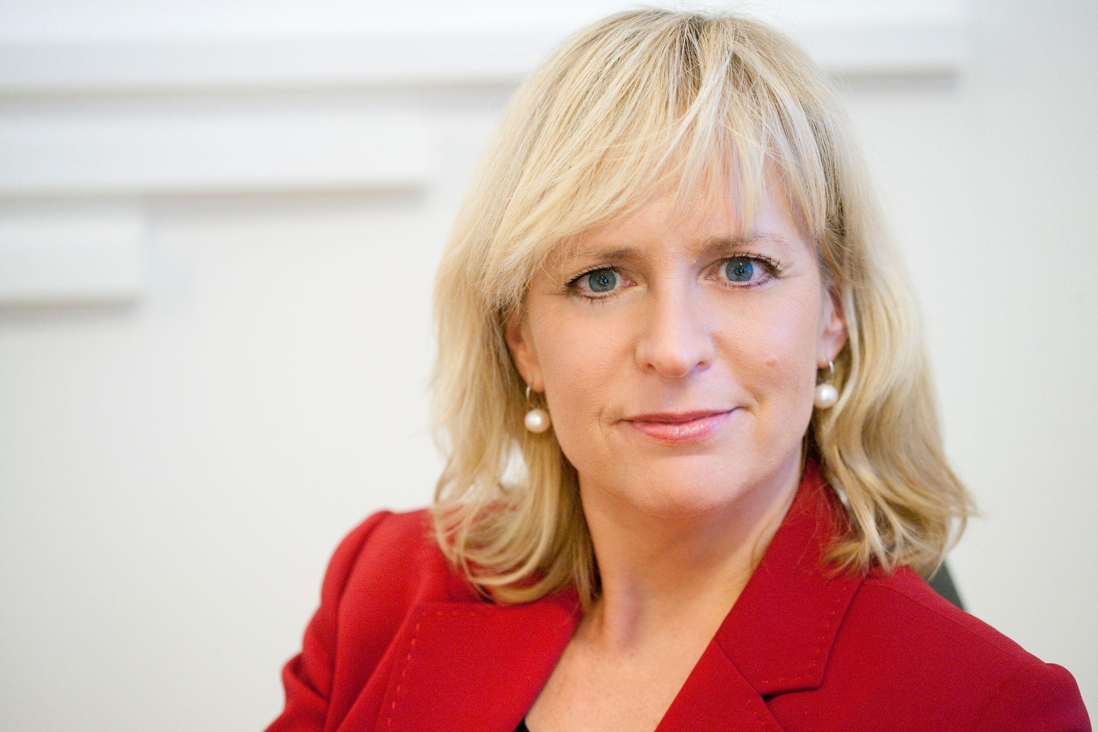 Christine Korme er kommunikasjonsdirektør i Microsoft Norge. Hun råder deg til å legge på hvis noen ringer og sier de er fra «Microsoft».Foto: Microsoft