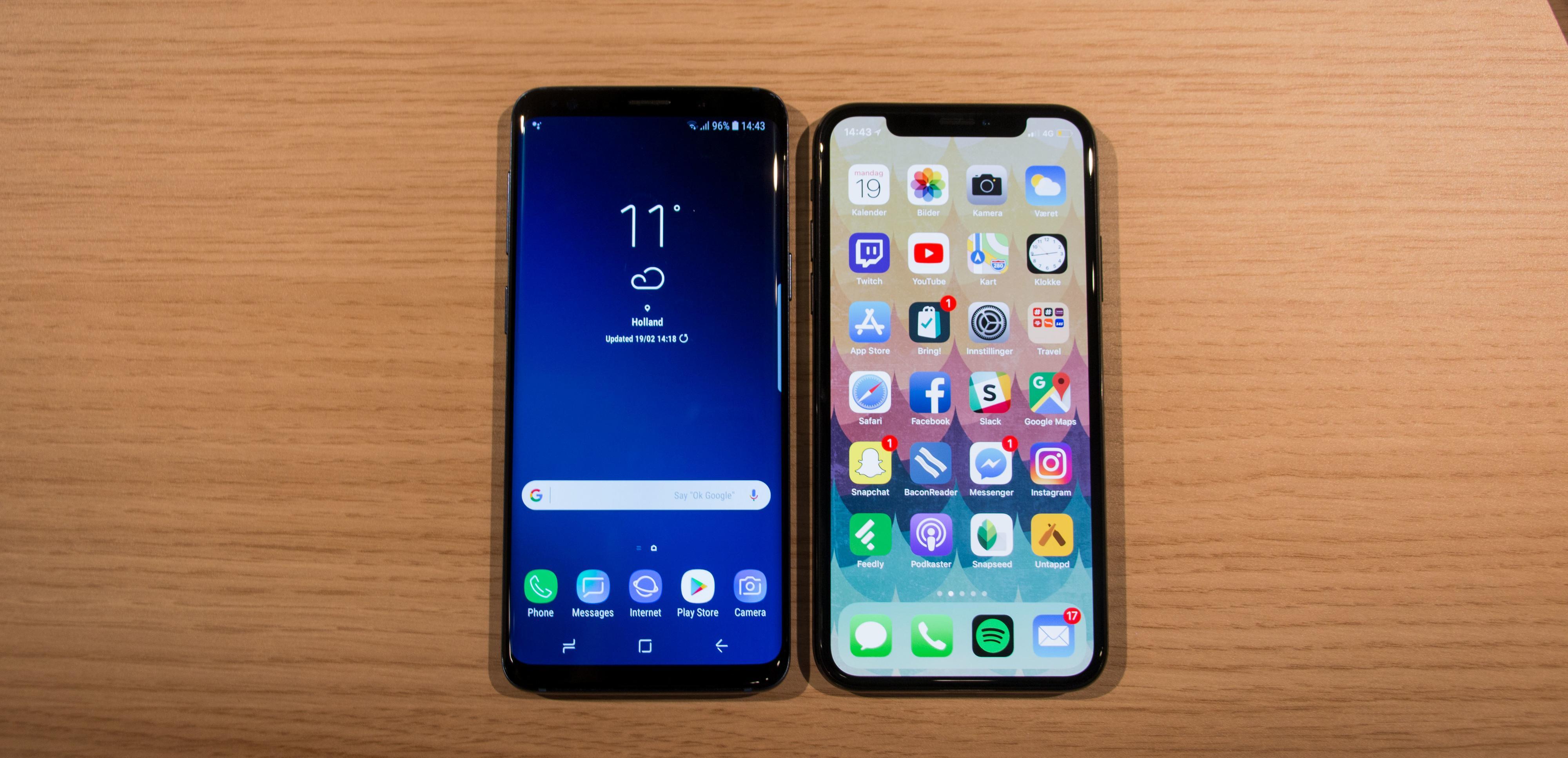 Nye Galaxy S9 mot Apple iPhone X. Nesten lik bredde og høyde, og også tykkelsen var relativ lik.