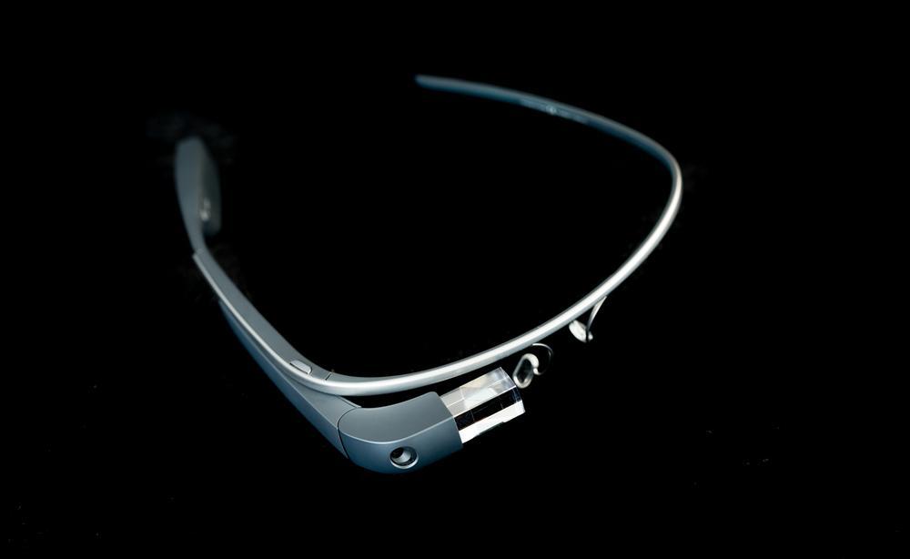 Ifølge Google er Google Glass et langsiktig prosjekt, og på ingen måte dødt. Foto: Hattanas Kumchai/Shutterstock.com