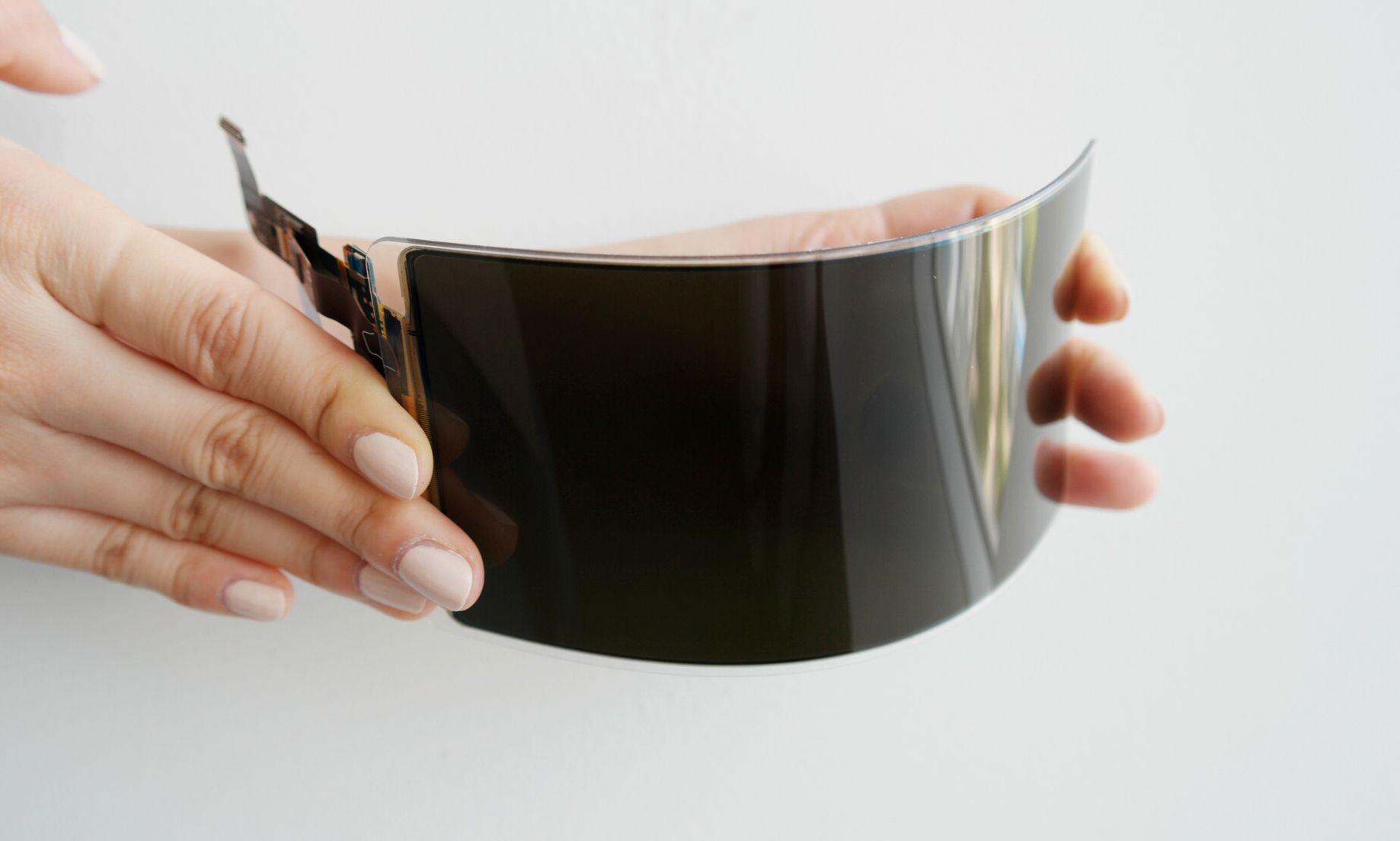 Samsung hevder deres nye OLED-skjerm skal være uknuselig.