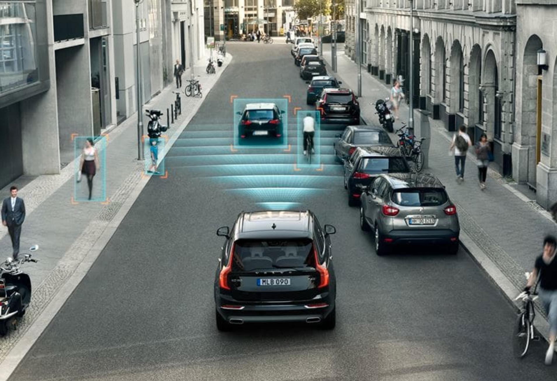 Volvos egen selvkjørende teknologi skal ha vært deaktivert i XC 90, her vist i Volvos egen demonstrasjon av systemet.