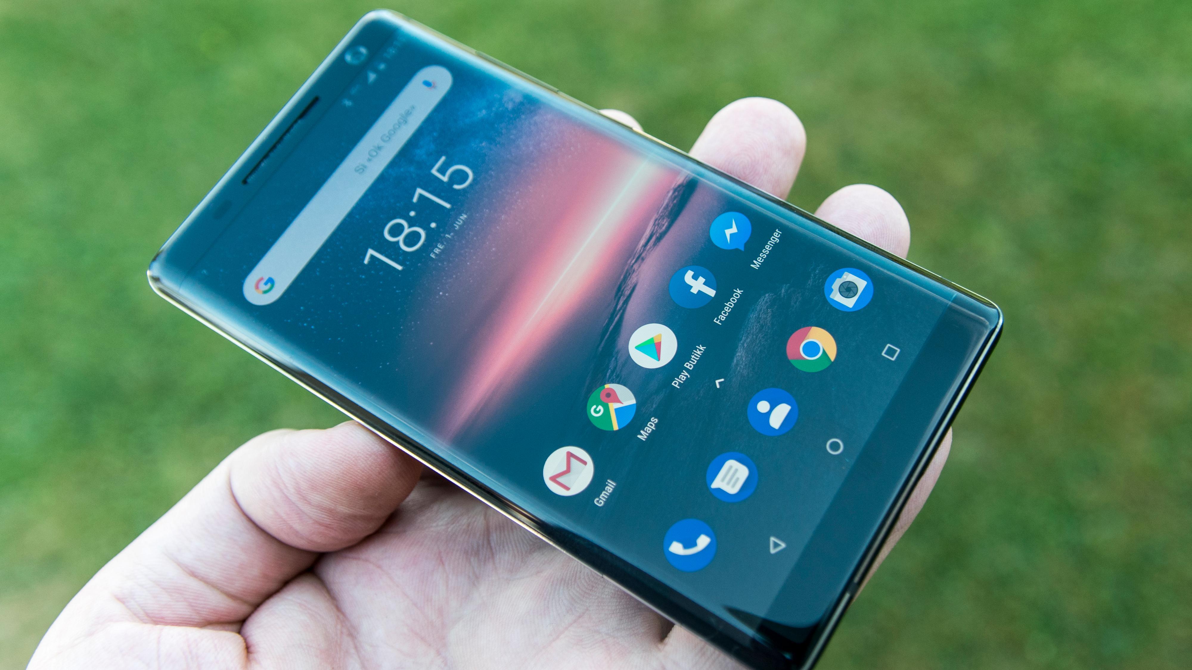 Nokia 8 Sirocco er lynrask å bruke. Ren Android og rask maskinvare gjør underverker. Men det er lov å rynke på nesen over at innmaten er fjorårets maskinvare du betaler full pris for i år.