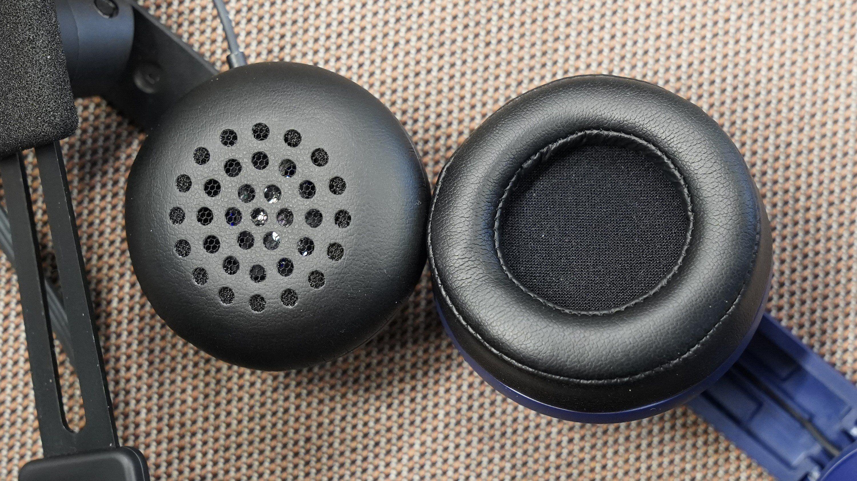 Hodetelefon på Deluxe Audio Strap kontra Vive Pro.