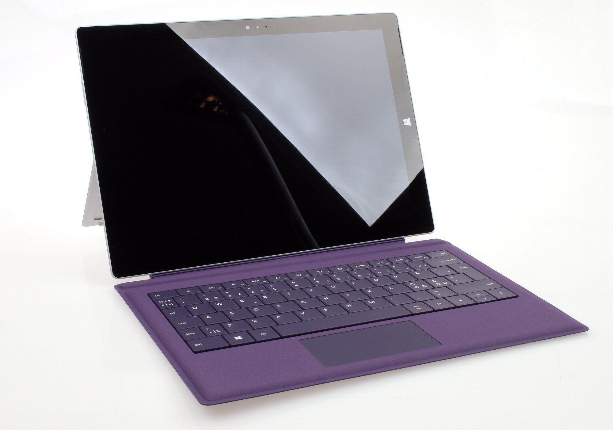 Surface Pro 3 kan du få med forskjellig innmat og forskjellig farge på tastaturdekselet.Foto: Vegar Jansen, Hardware.no