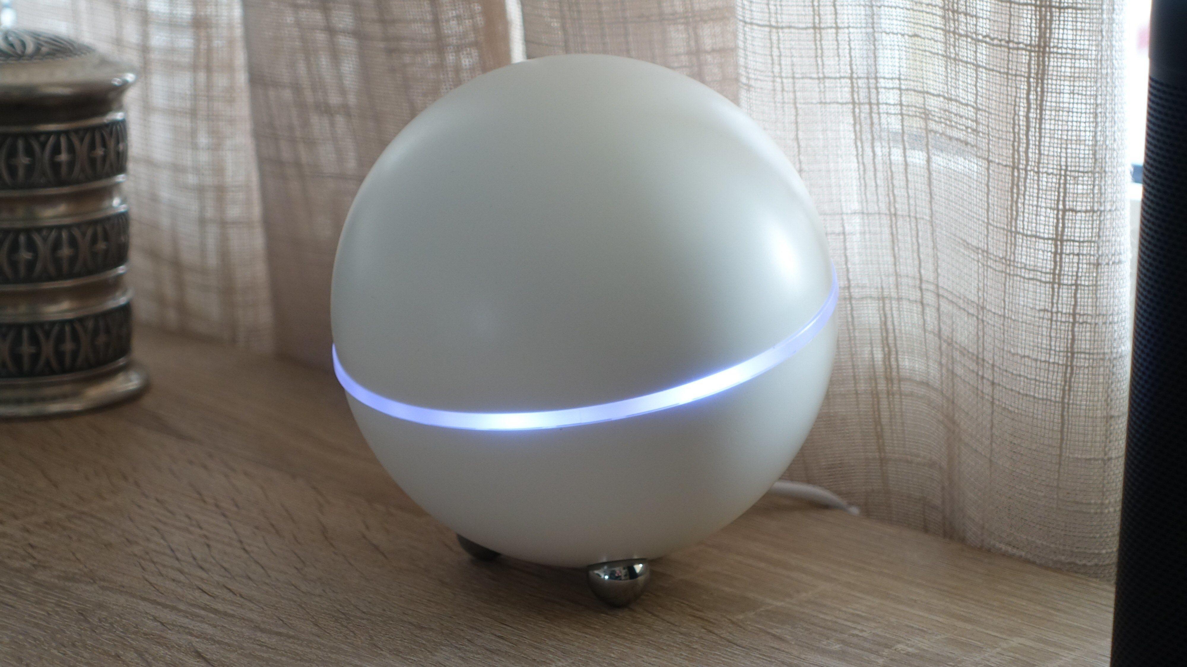 Athom Homey ser ganske så futuristisk ut.