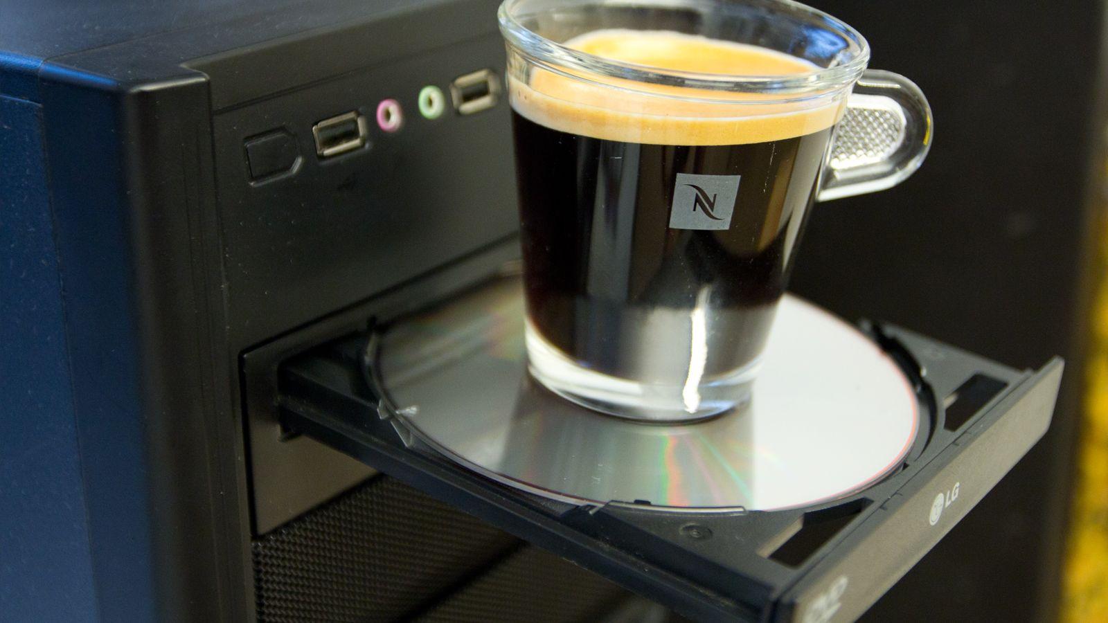Kaffekoppholder er ikke nødvendigvis standard på nyere PC-er.Foto: Rolf B. Wegner, Tek.no