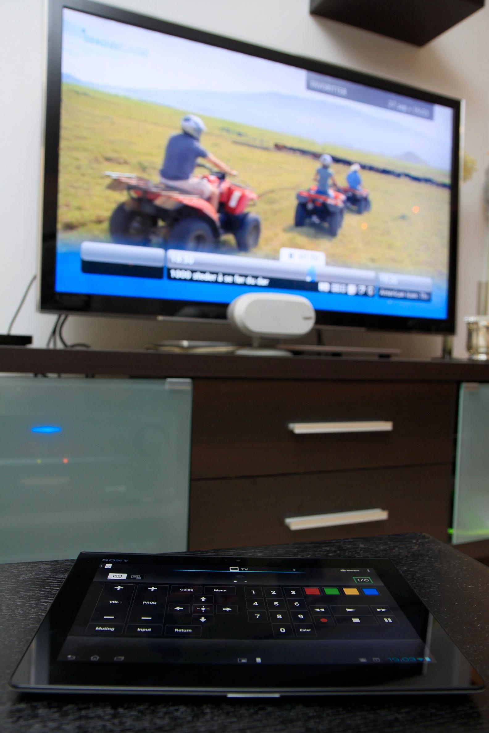Med fjernkontroll-appen kan du bruke Tablet S til å betjene TV-en eller hjemmekinoanlegget ditt.Foto: Kurt Lekanger, Amobil.no