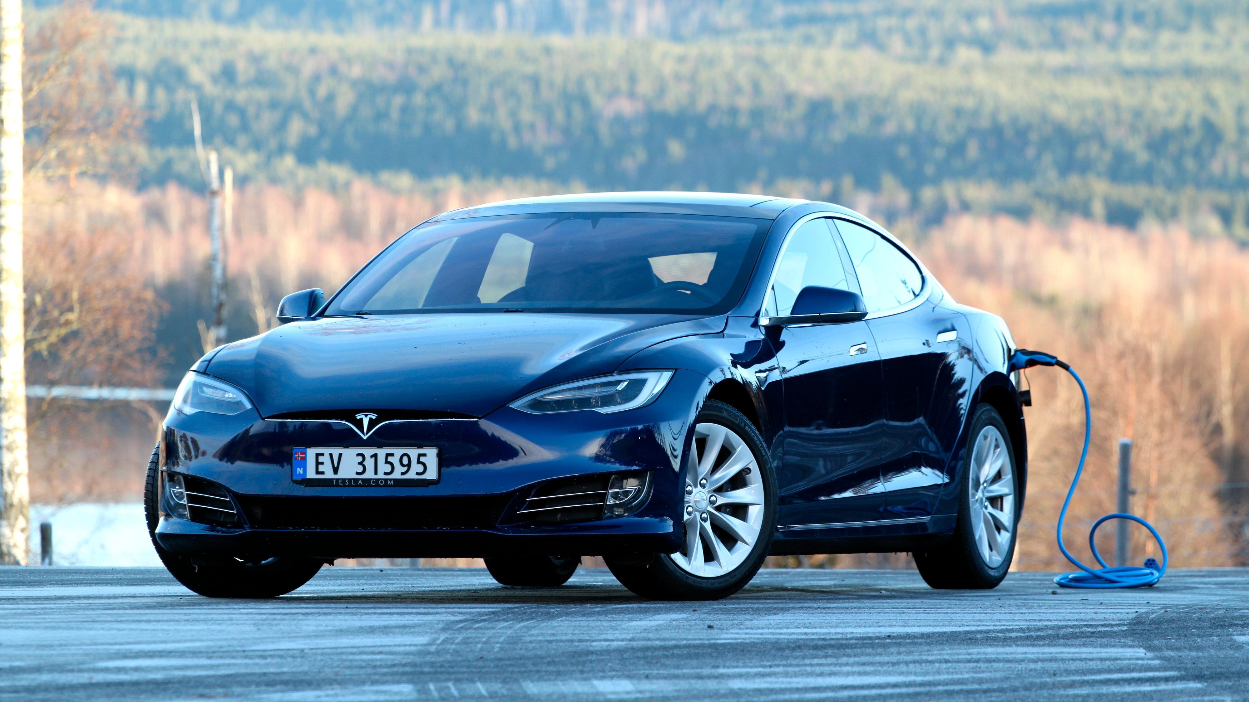 Tesla Model S og X får enda bedre rekkevidde