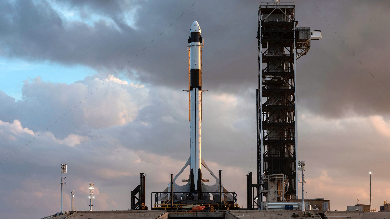 SpaceX skyter opp Crew Dragon lørdag morgen