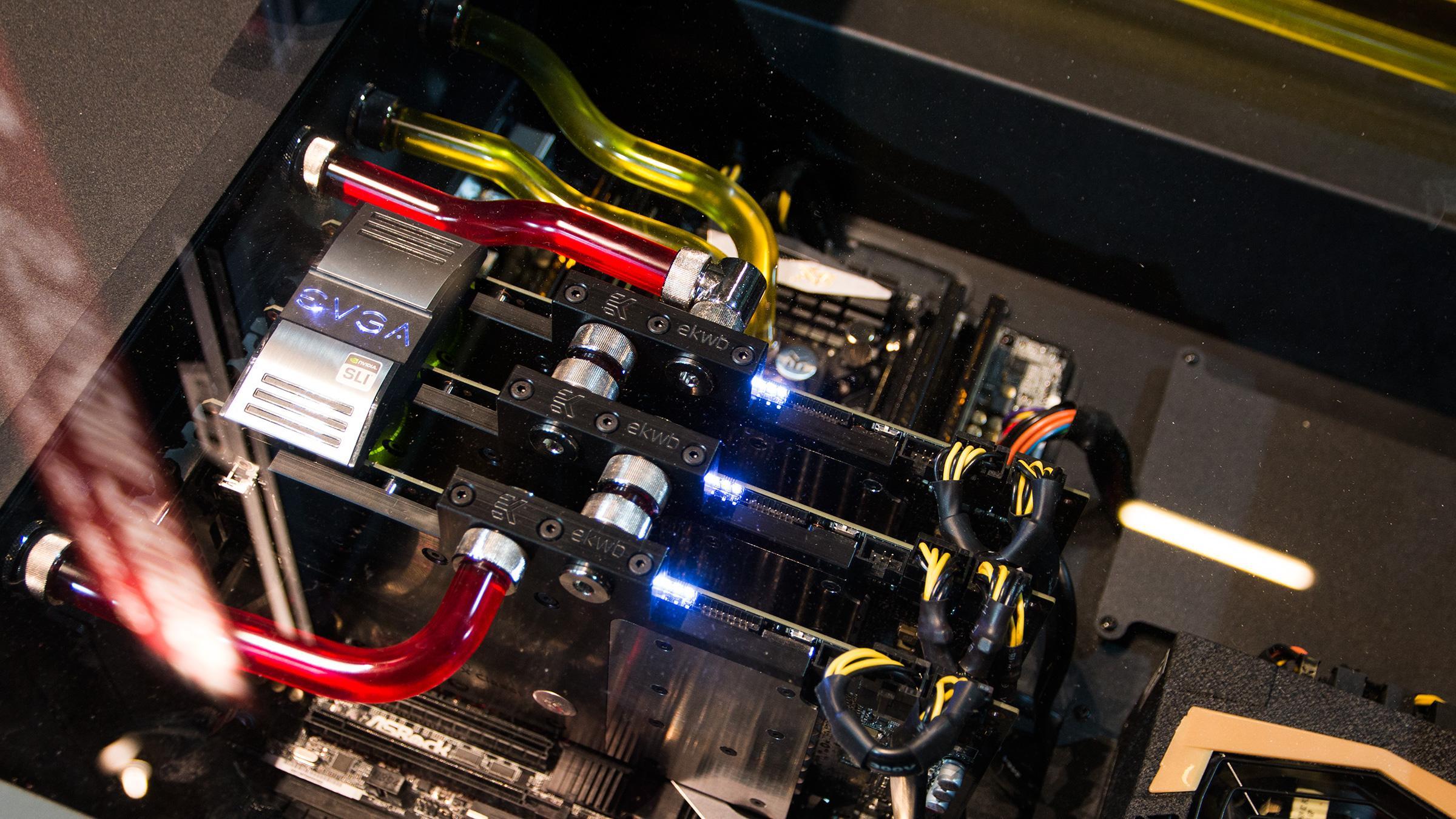 Kan tre solid overklokkede GeForce GTX 780 Ti hamle opp med fire stykker som ikke er klokket like høyt opp?Foto: Varg Aamo, Hardware.no