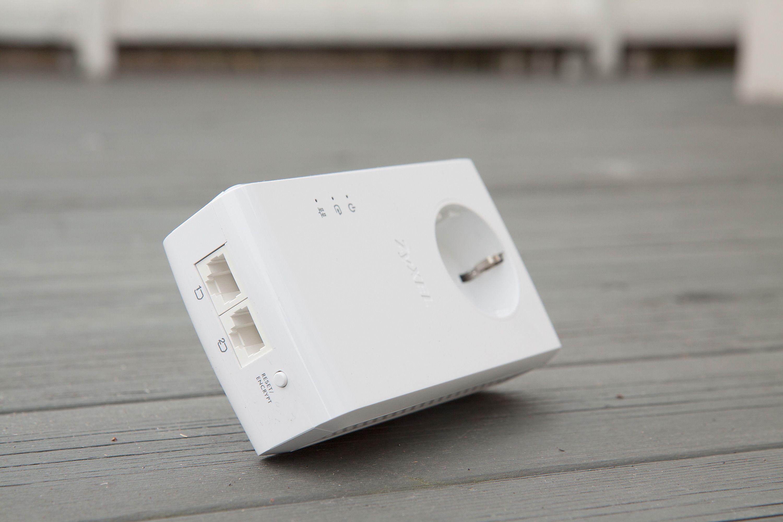 Det er to Ethernet-kontakter på adapteren. Kurt Lekanger