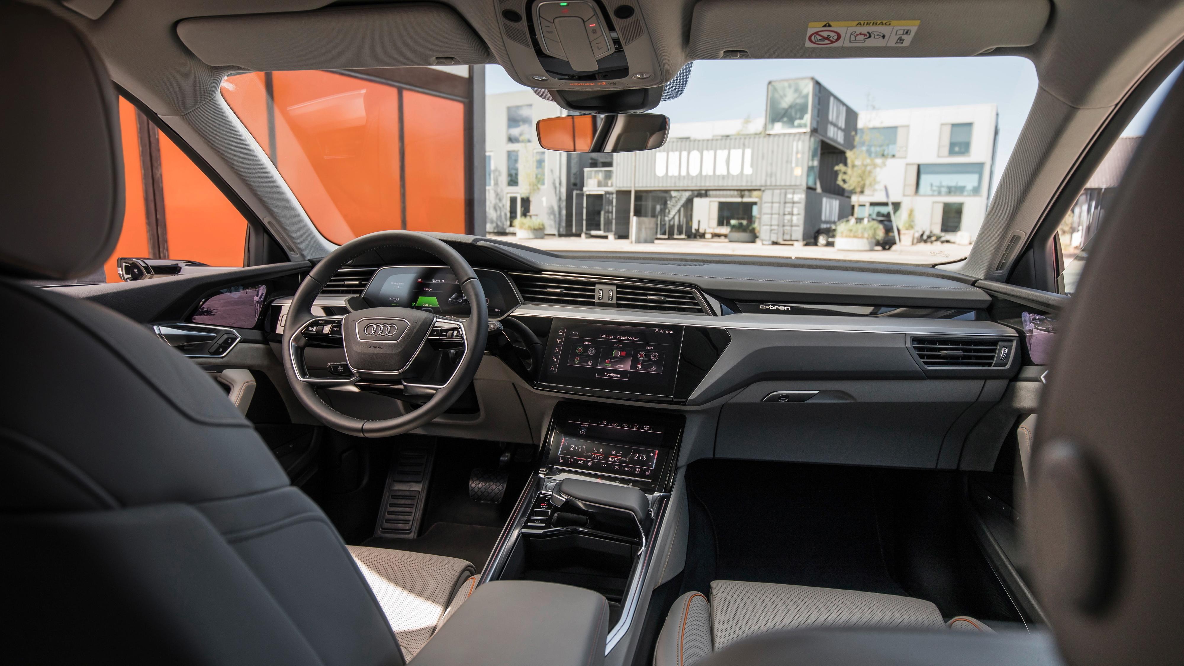 Audi viser frem interiøret i e-tron